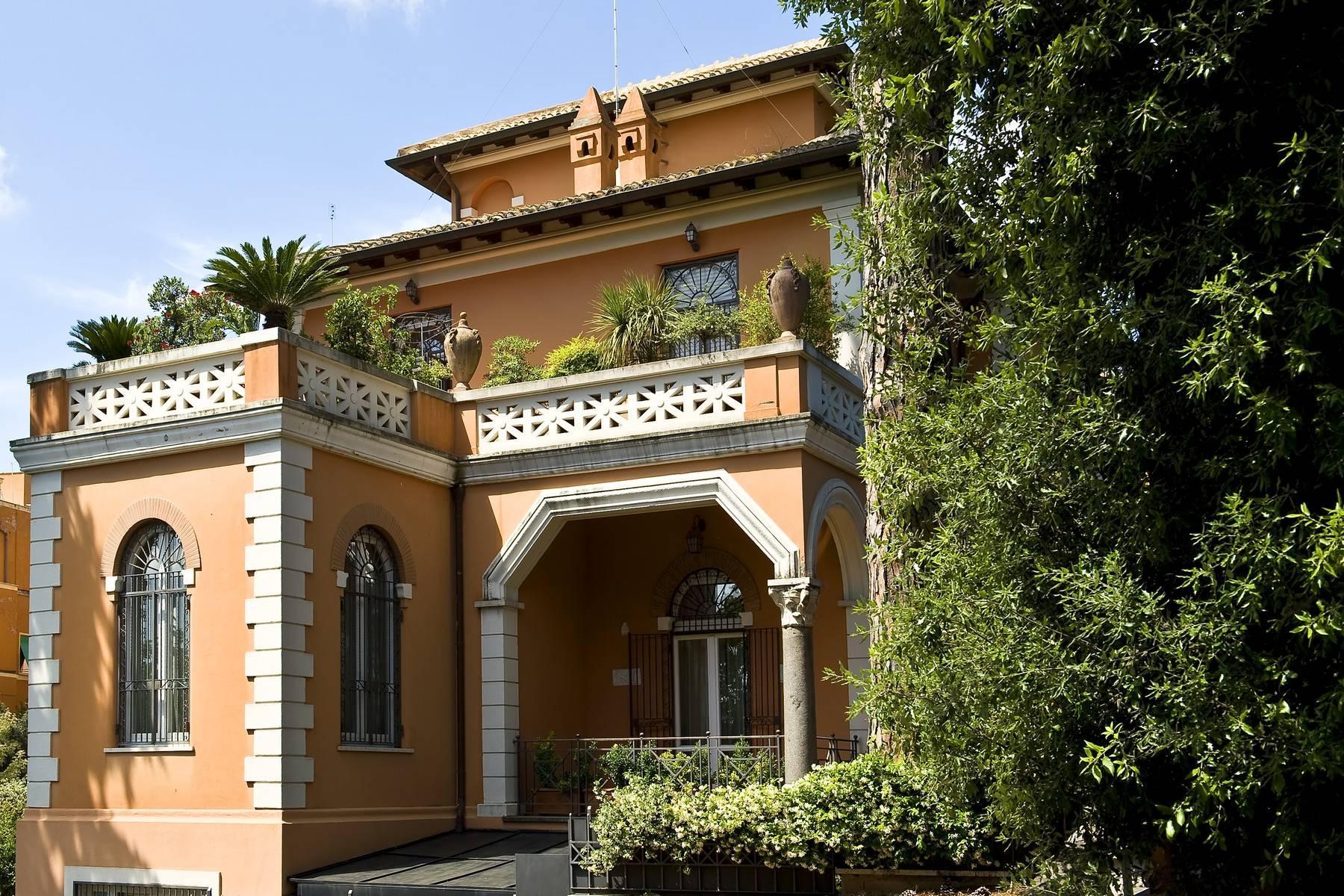 Elegante Villa mit privatem Garten - 30