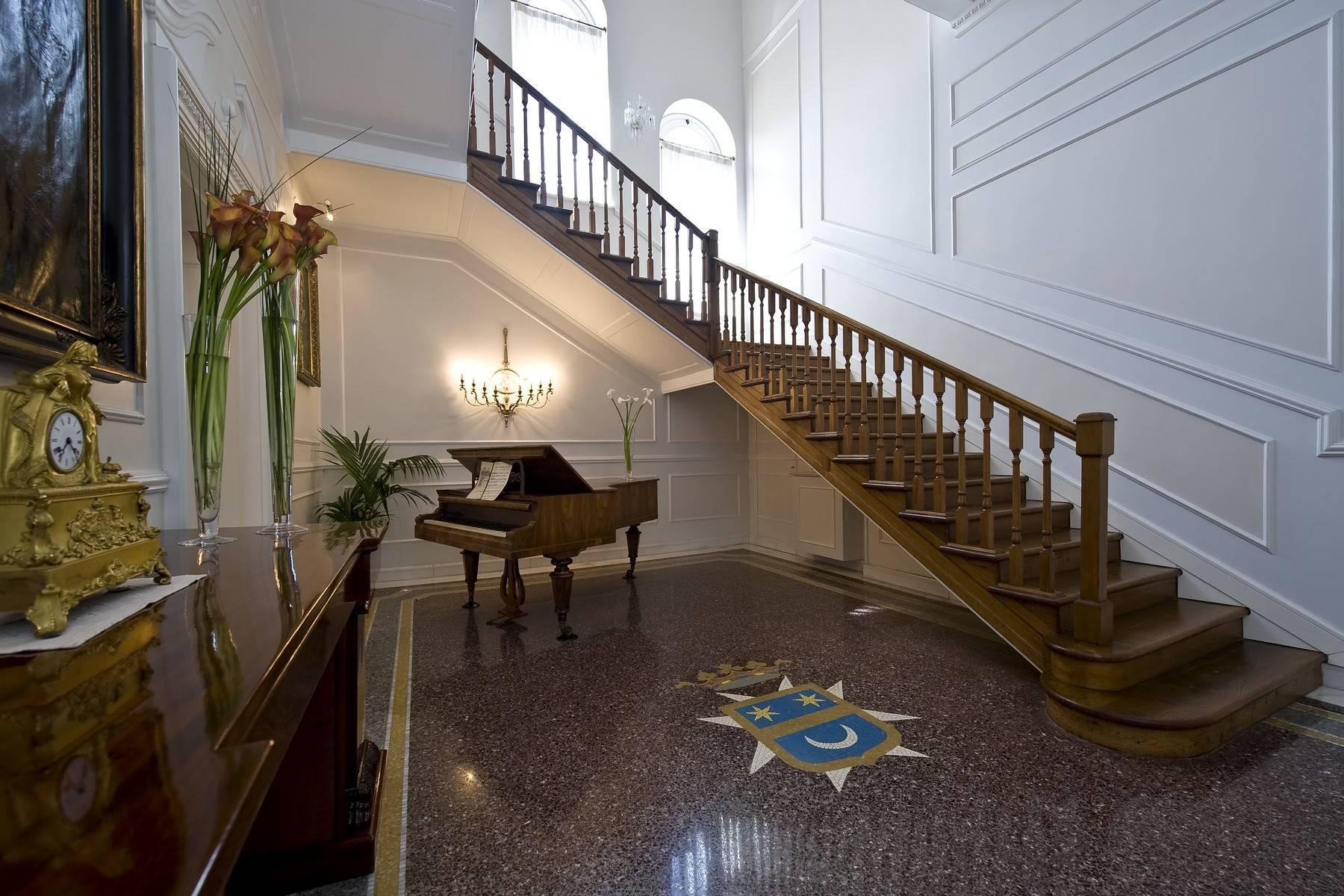 Elegante Villa mit privatem Garten - 33