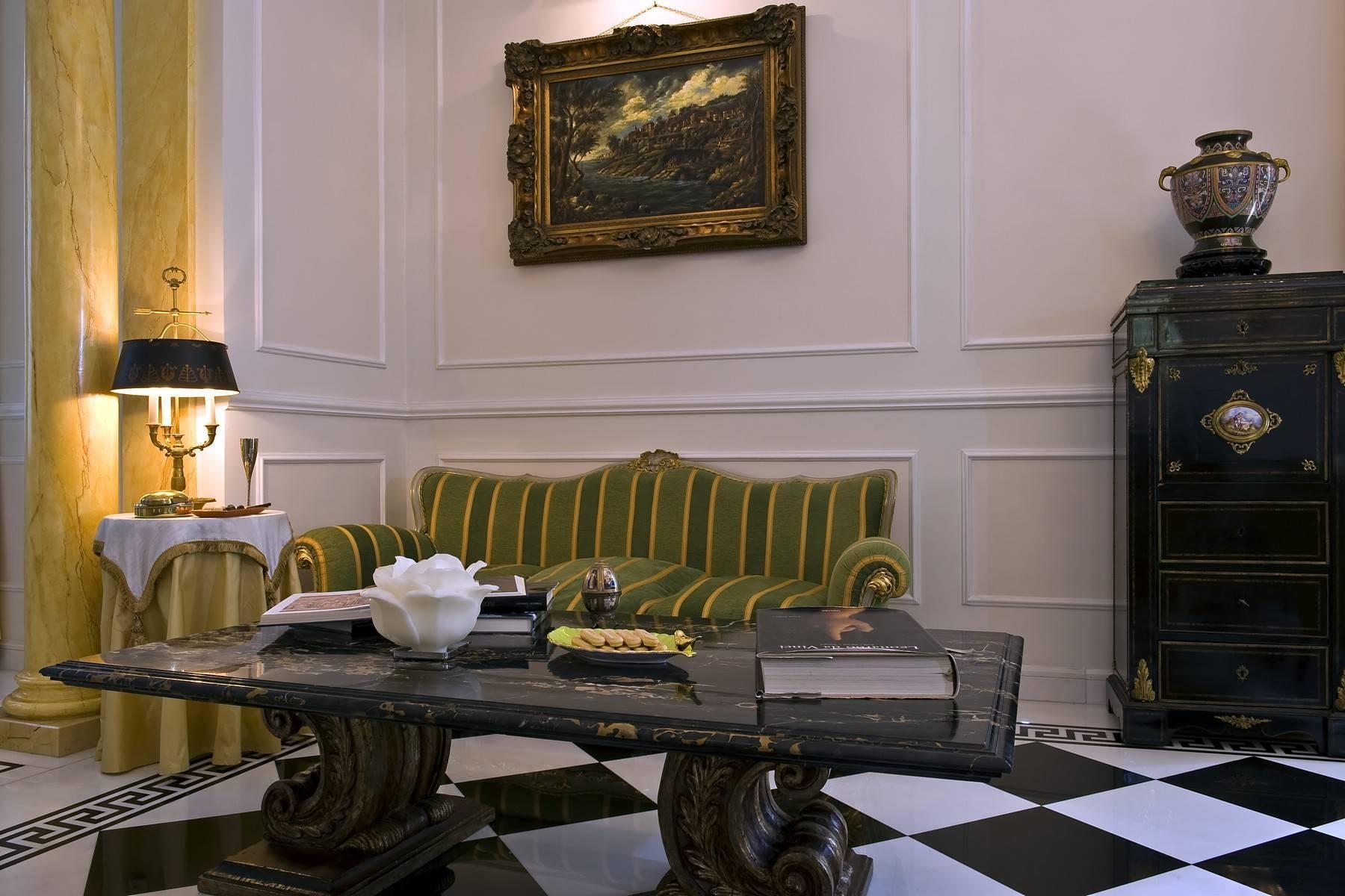 Elegante Villa mit privatem Garten - 35