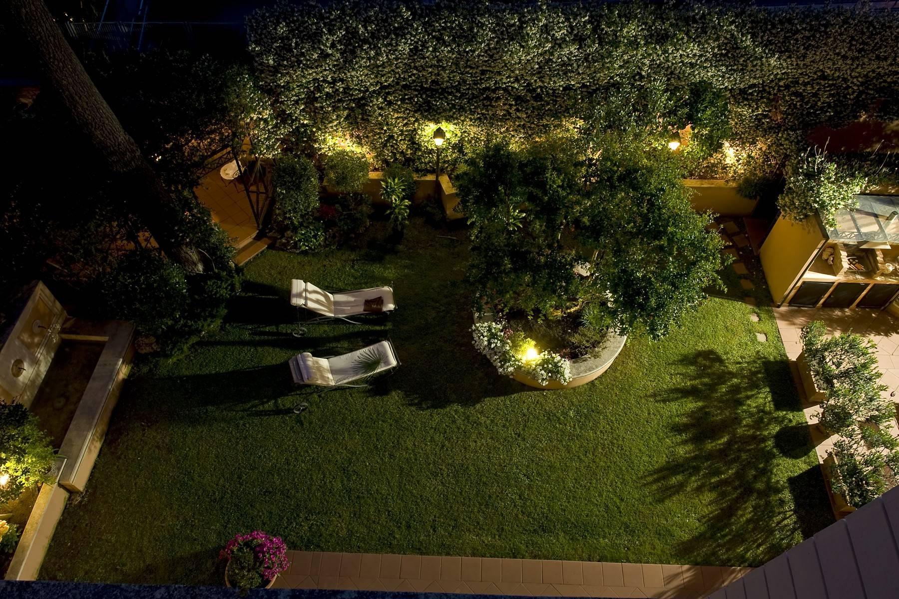 Elegante Villa mit privatem Garten - 27