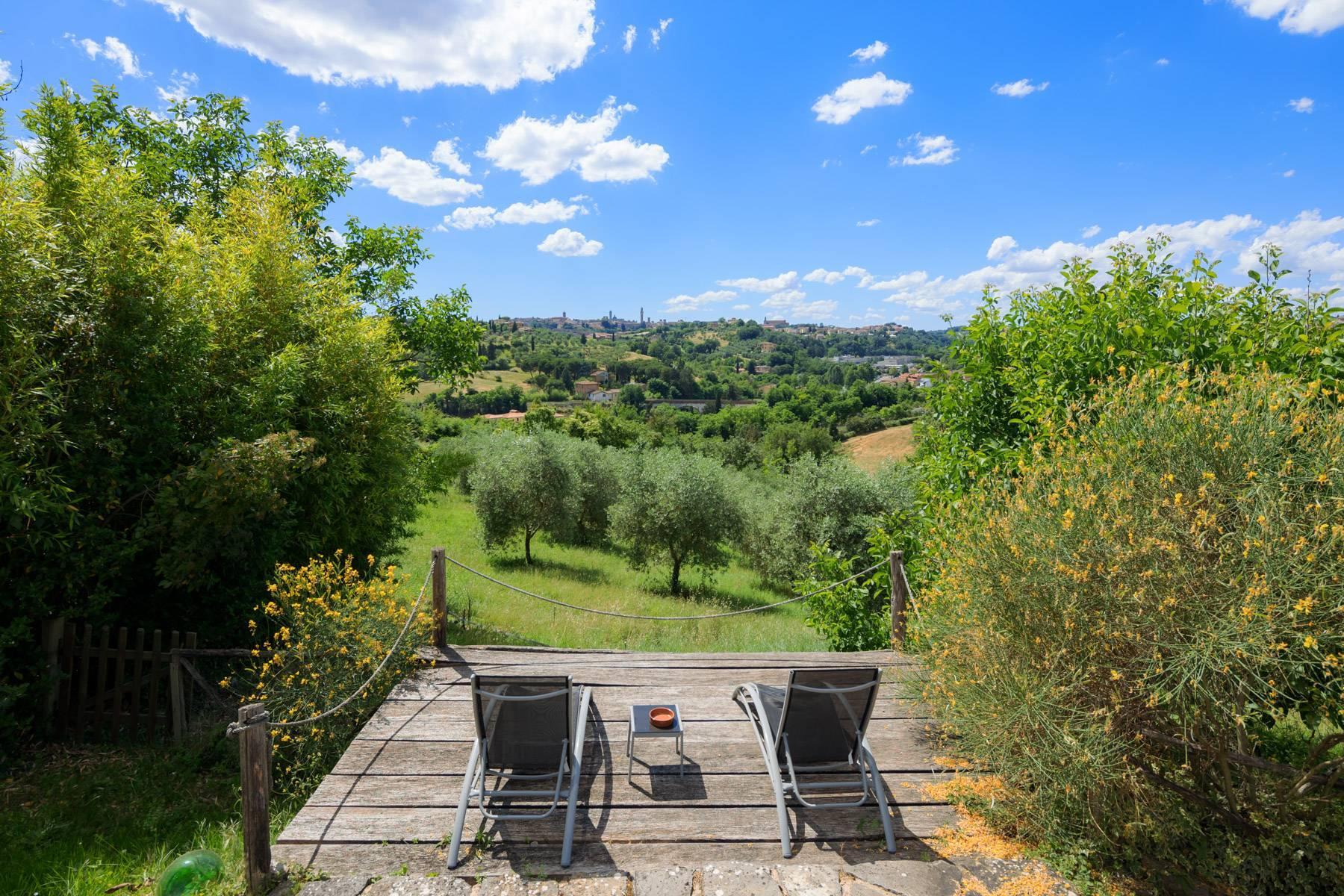 Enchanting farmhouse with agriturismo on the outskirts of Siena - 1