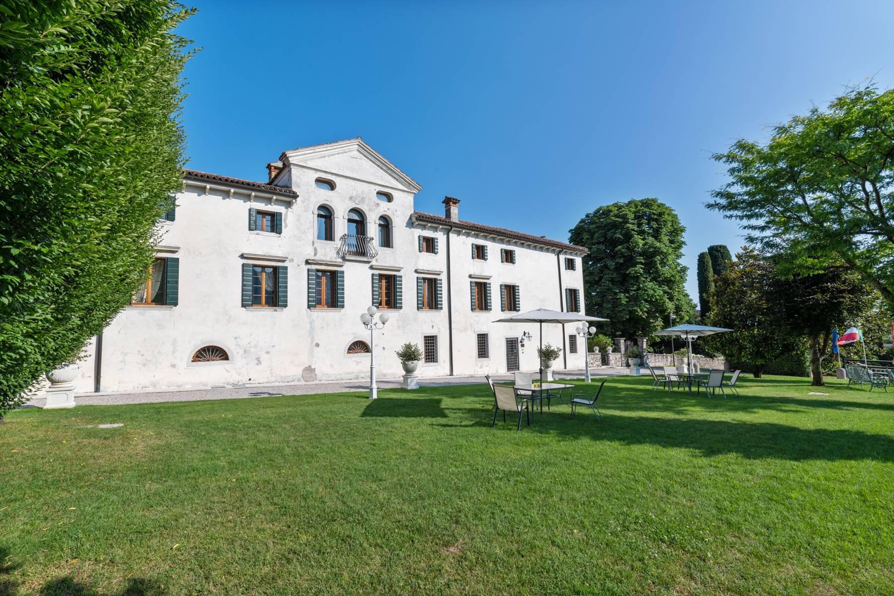 Renovierte Villa mit Park auf dem Land des Unesco-Gebiets - 4