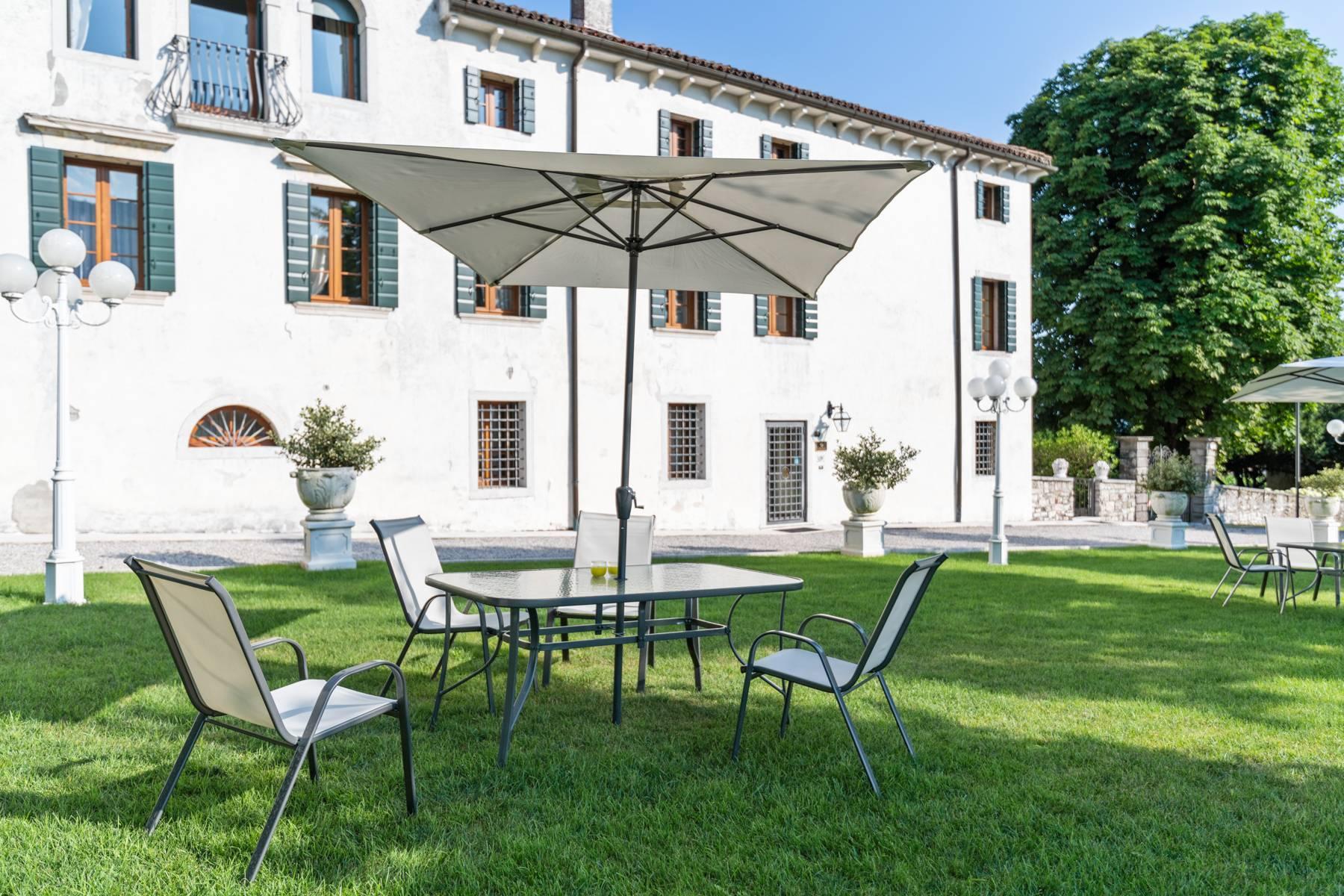 Renovierte Villa mit Park auf dem Land des Unesco-Gebiets - 35