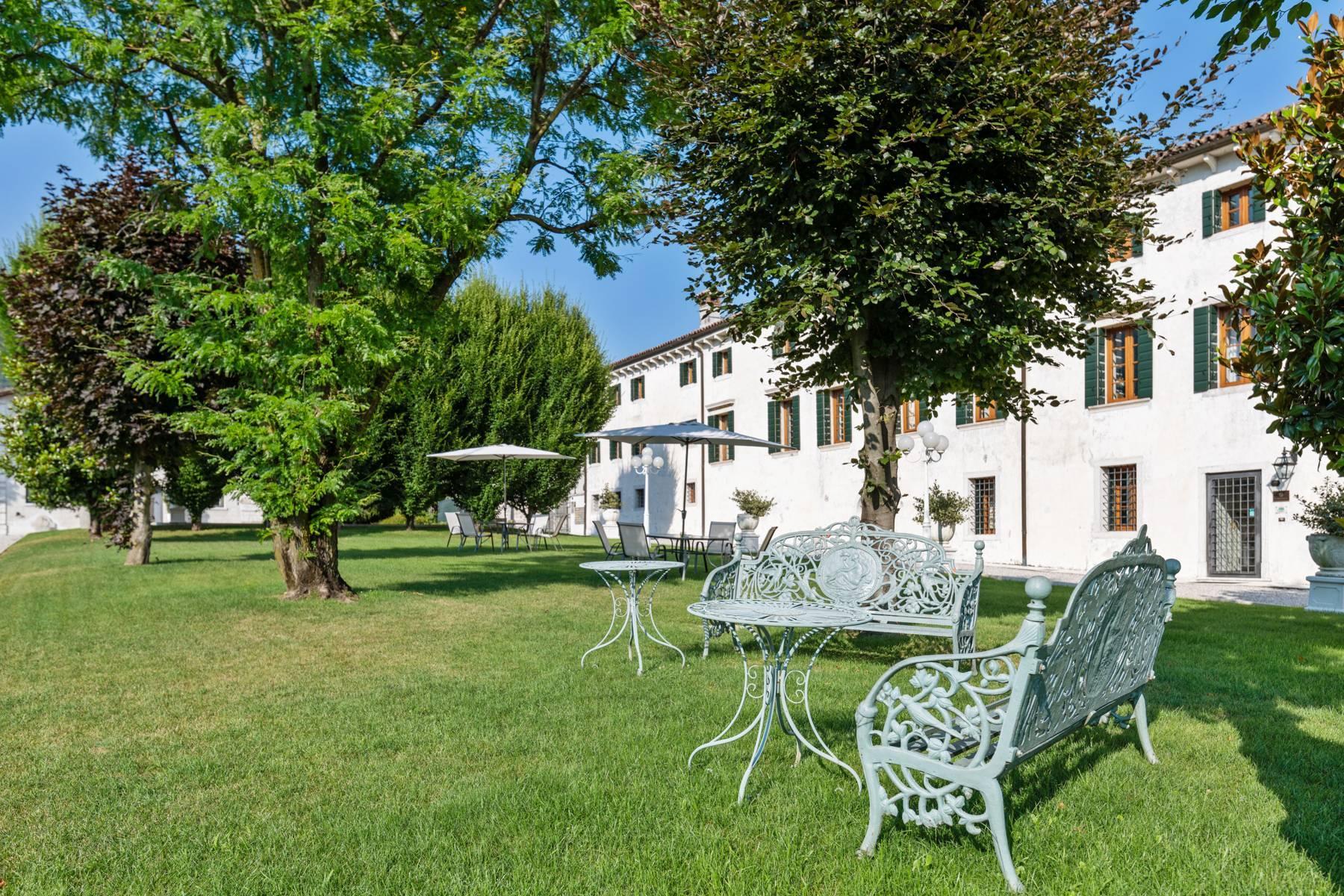 Renovierte Villa mit Park auf dem Land des Unesco-Gebiets - 3