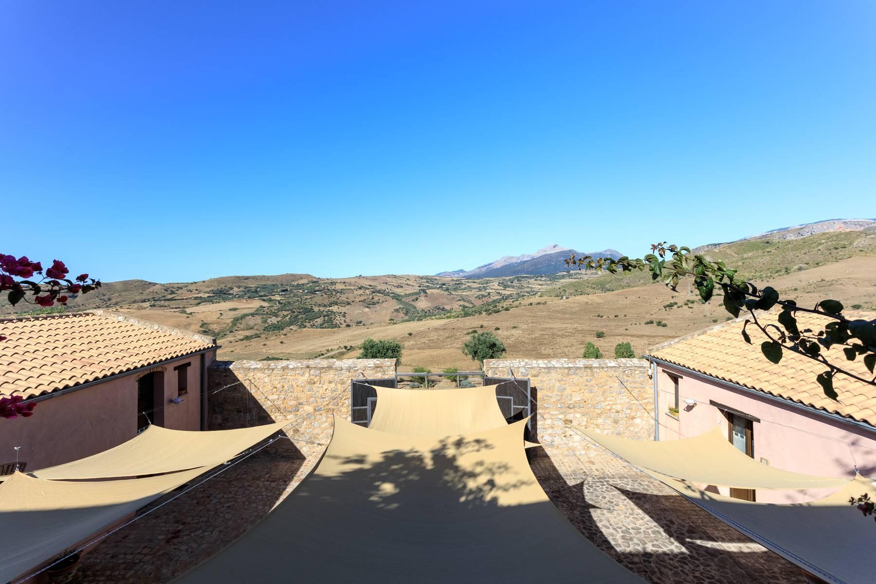 Antikes Baglio mit außergewöhnlichem Meerblick - 2