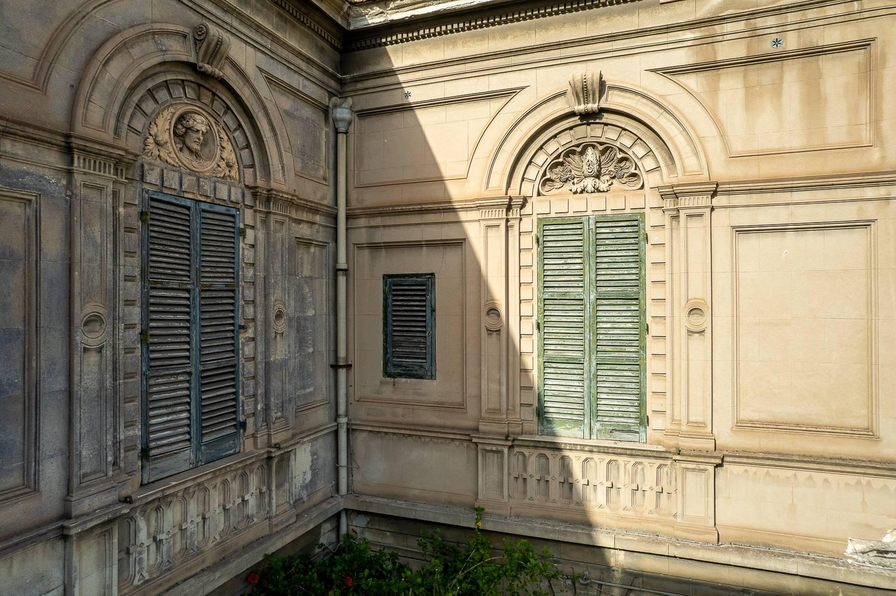 Liberty style building in the historical center of Trapani - 4