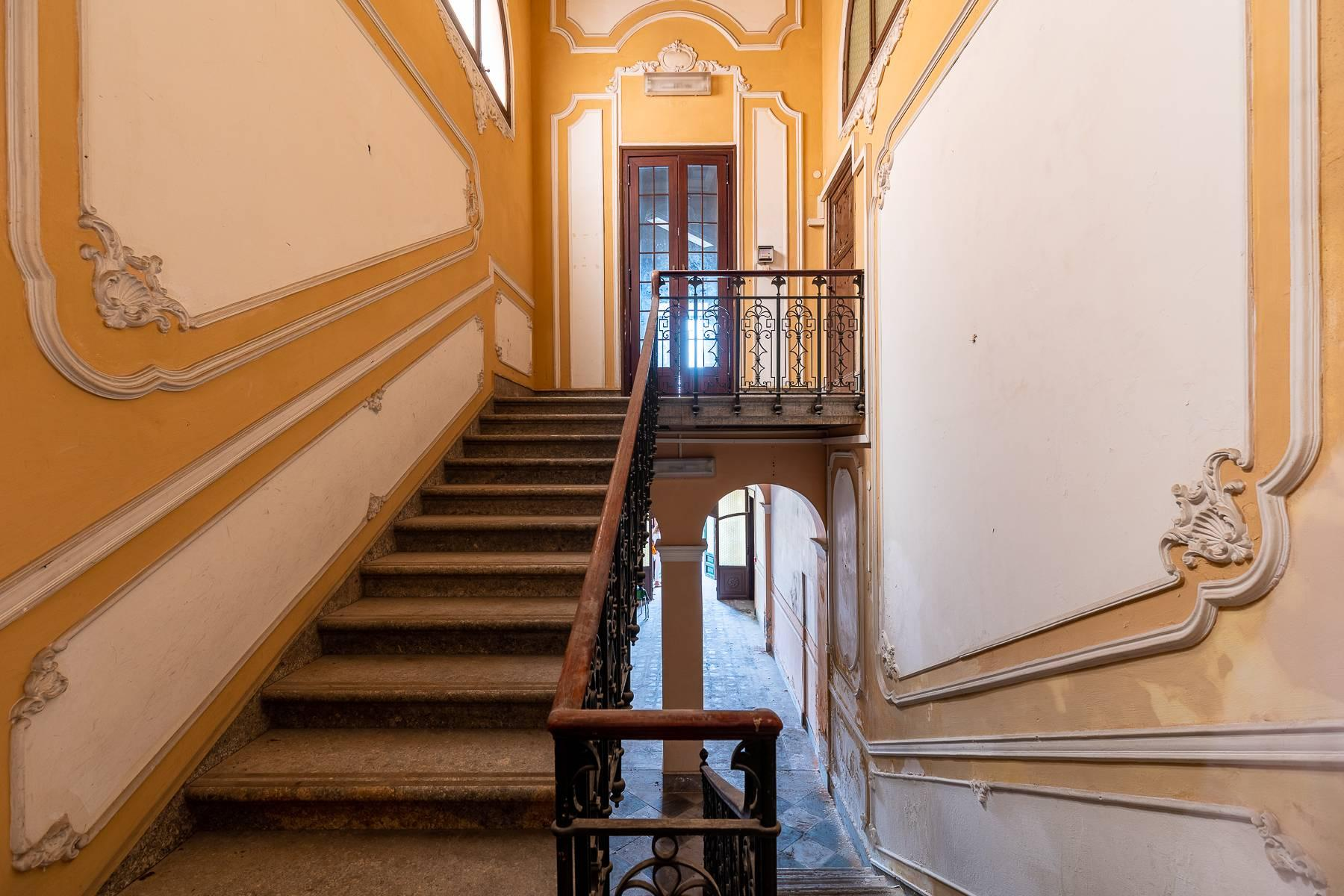 Liberty style building in the historical center of Trapani - 5