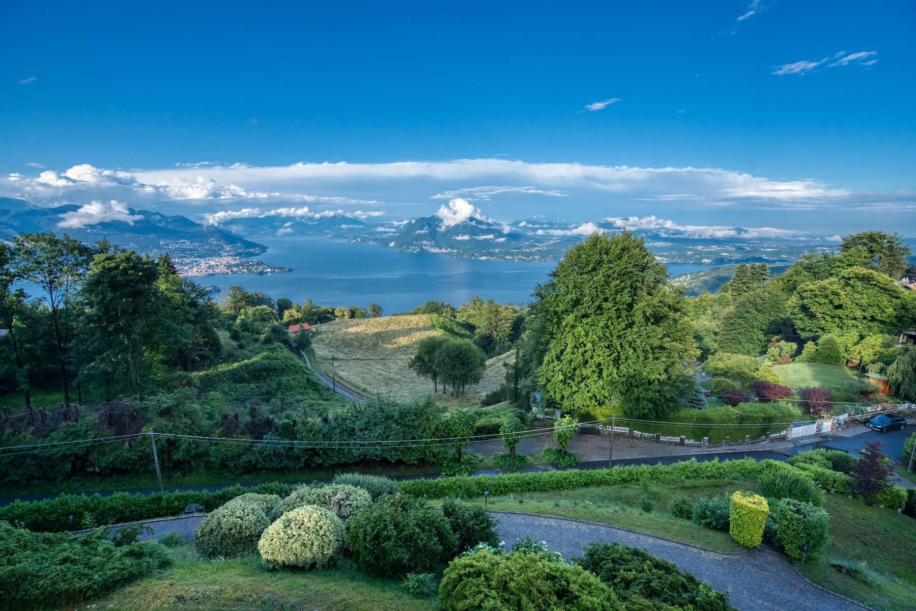 Charmante historische Villa auf den Hügeln von Stresa - 2
