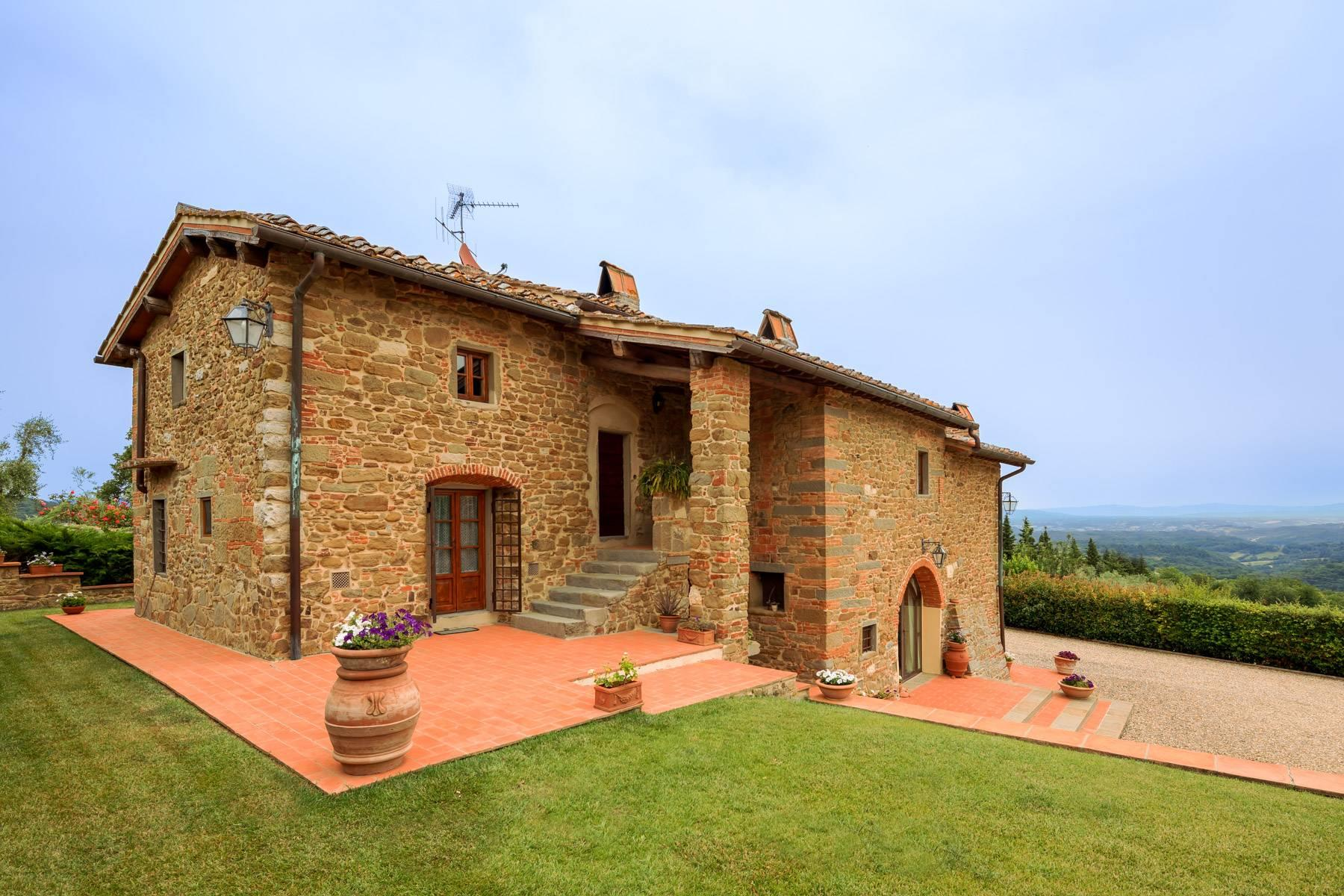 Charming property on the hills - 4