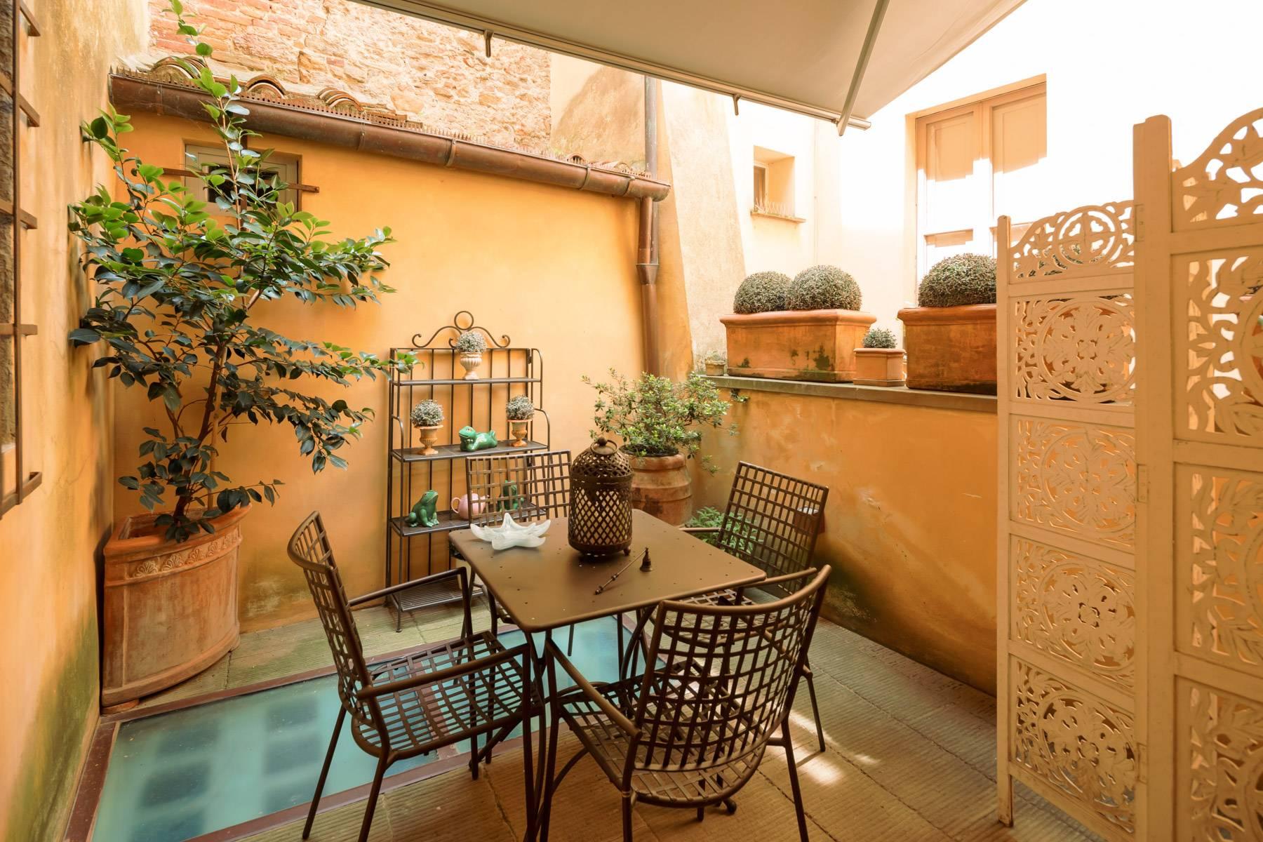 Lussuoso appartamento con giardino - 18