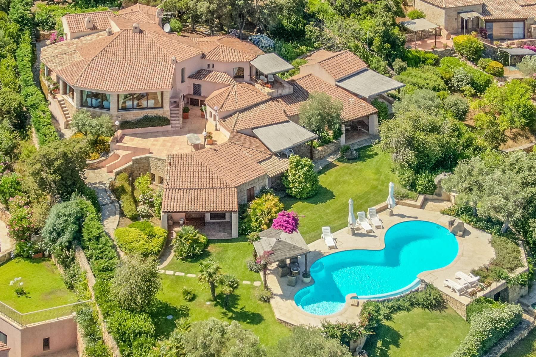 Bellissima villa indipendente con piscina a pochi passi dal Golf Club e Cala di Volpe - 1