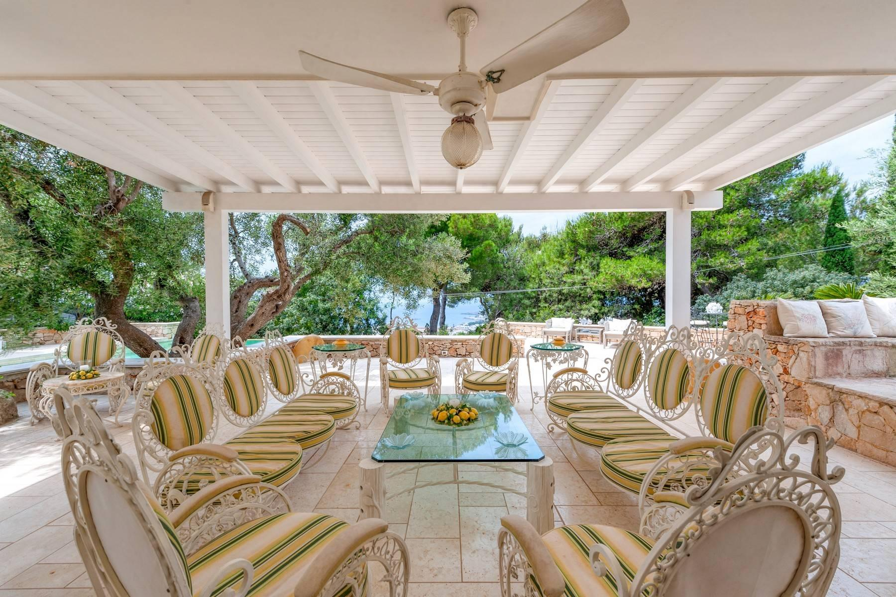 Villa in Panorama-Lage mit wunderschönem Blick auf den Meer - 3