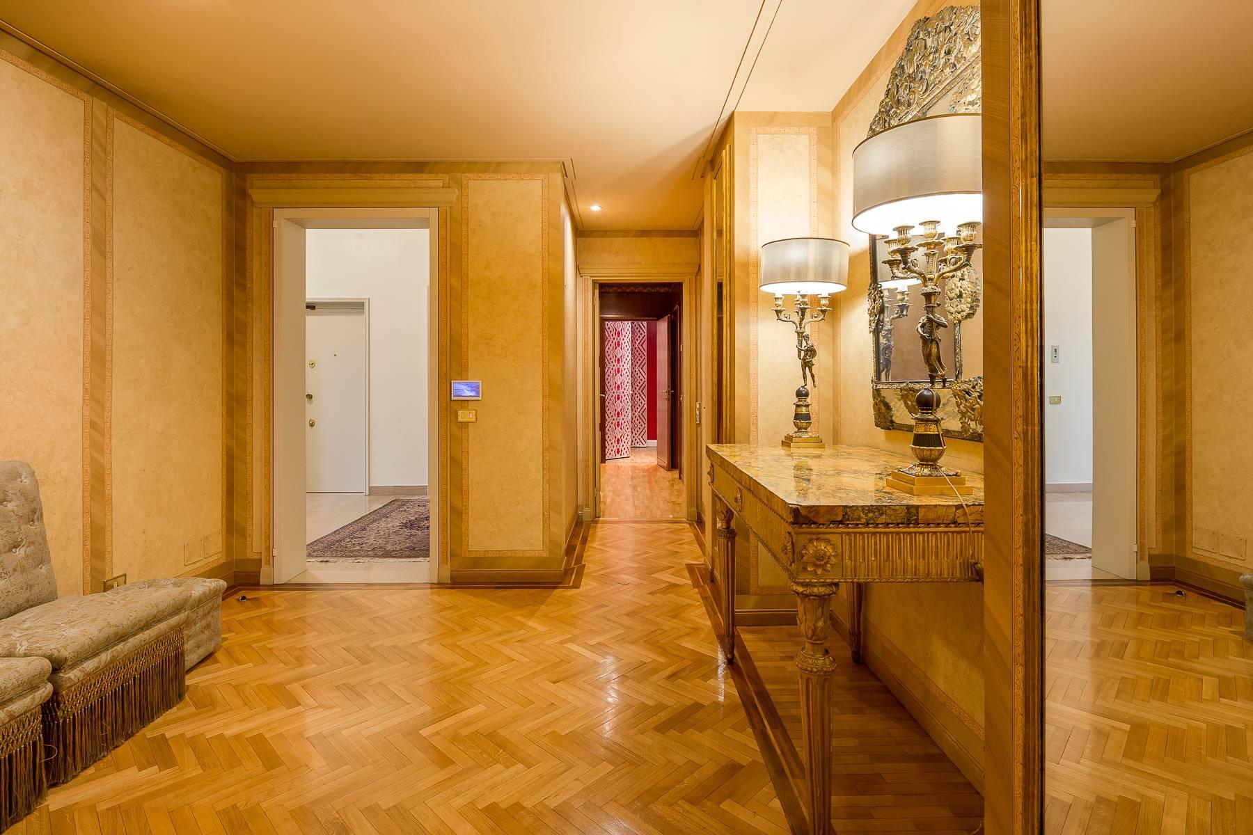 Elegant apartment in a prestigious area - 17