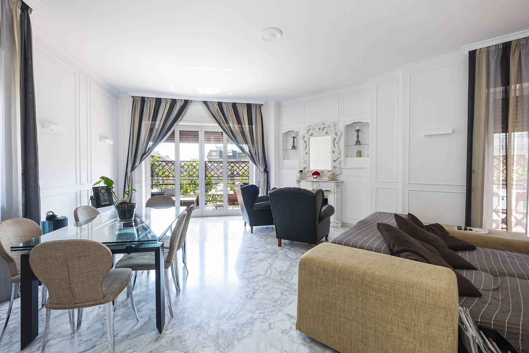 Elegante Wohnung mit großer Terrasse - 3
