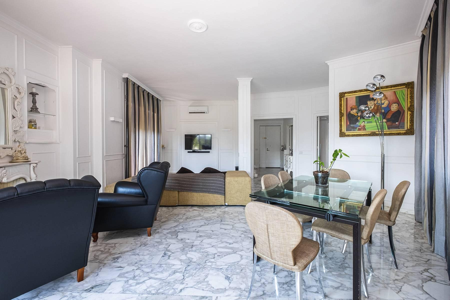 Elegante Wohnung mit großer Terrasse - 5