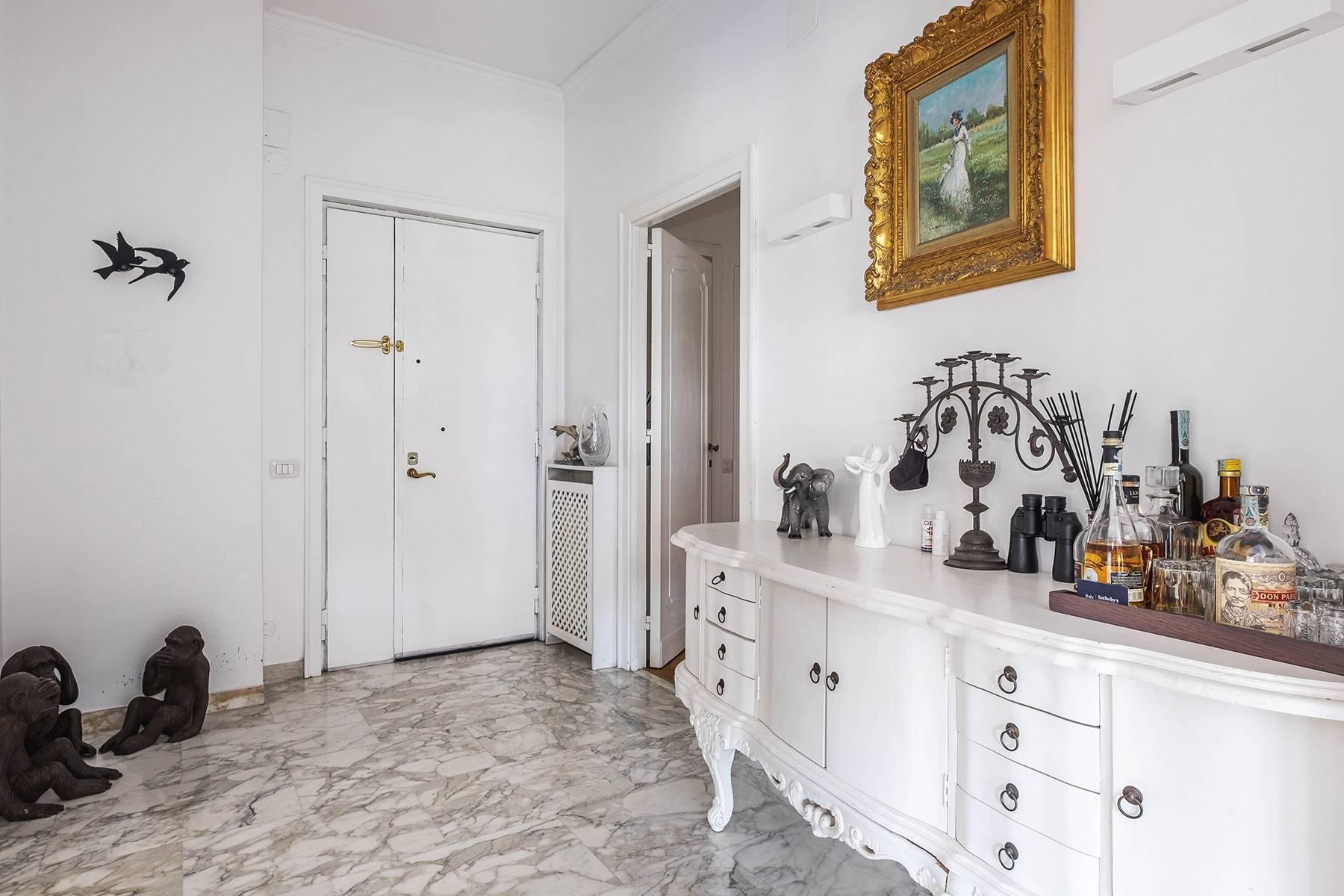 Elegante Wohnung mit großer Terrasse - 15