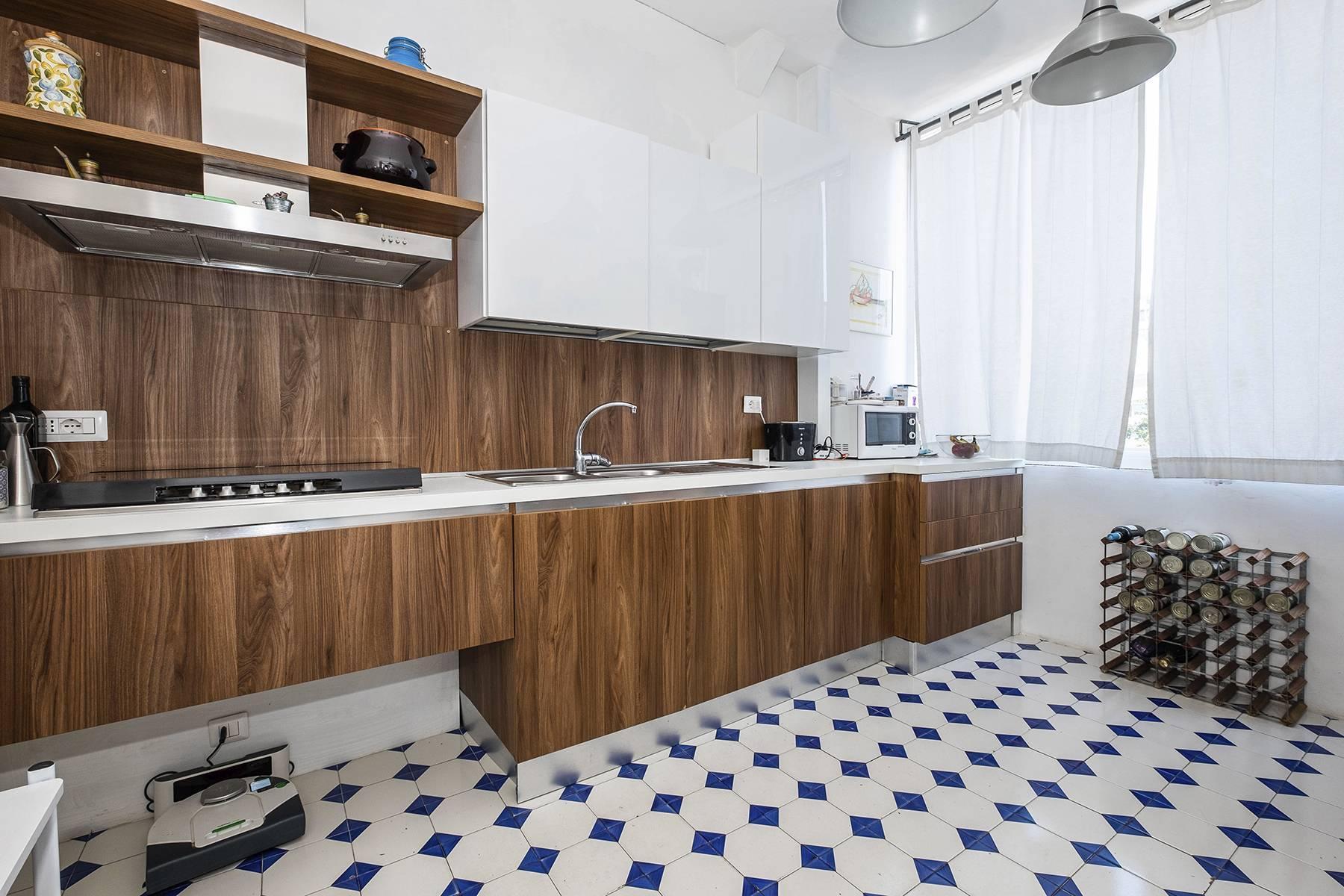 Elegante Wohnung mit großer Terrasse - 14