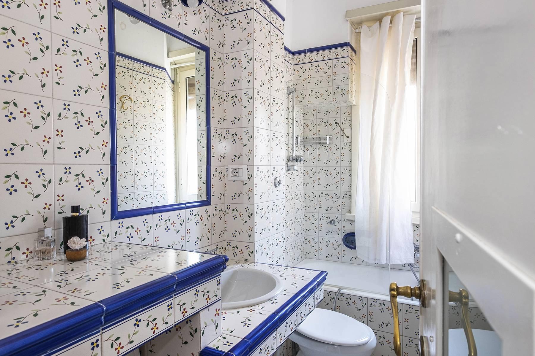 Elegante Wohnung mit großer Terrasse - 18