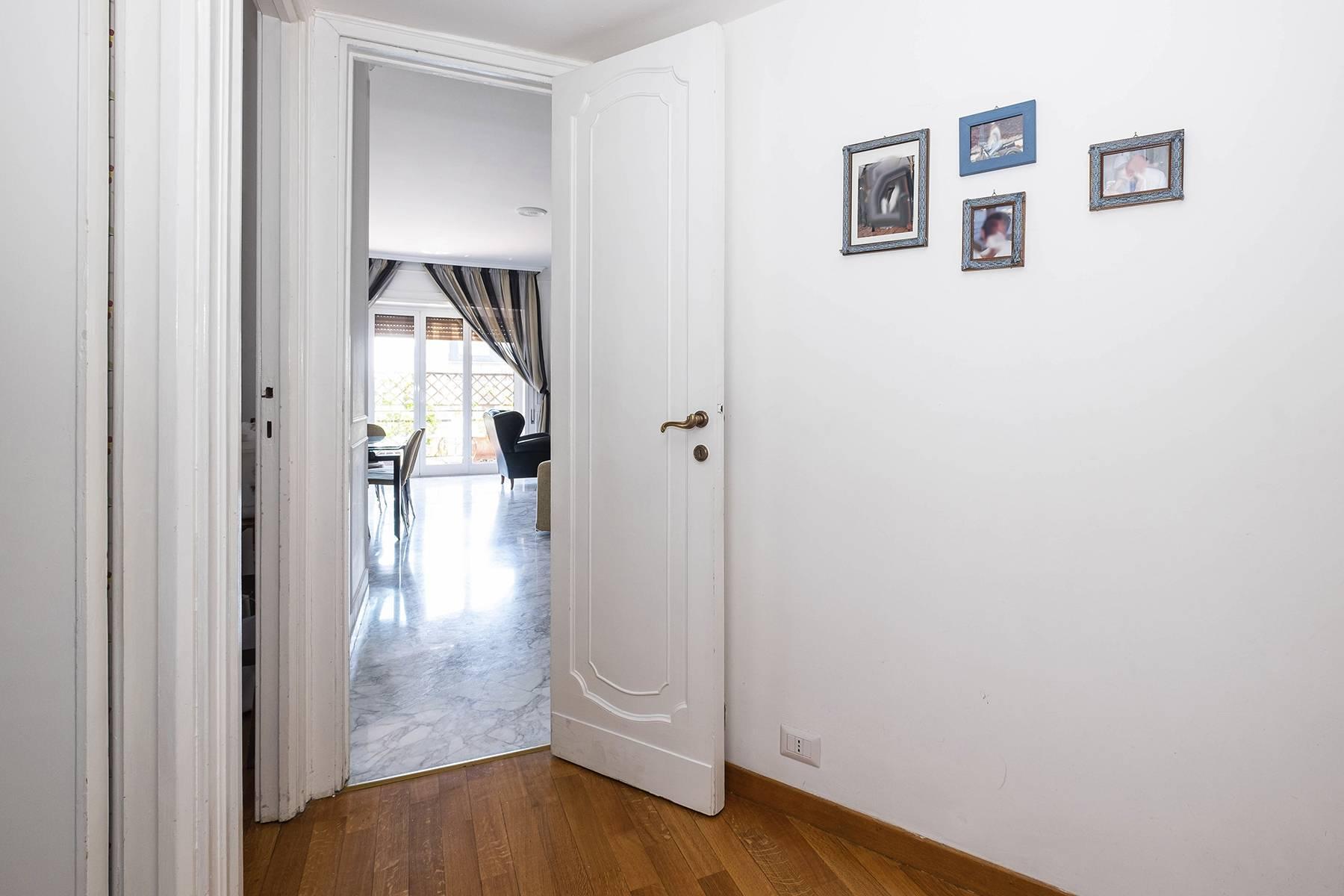 Elegante Wohnung mit großer Terrasse - 19