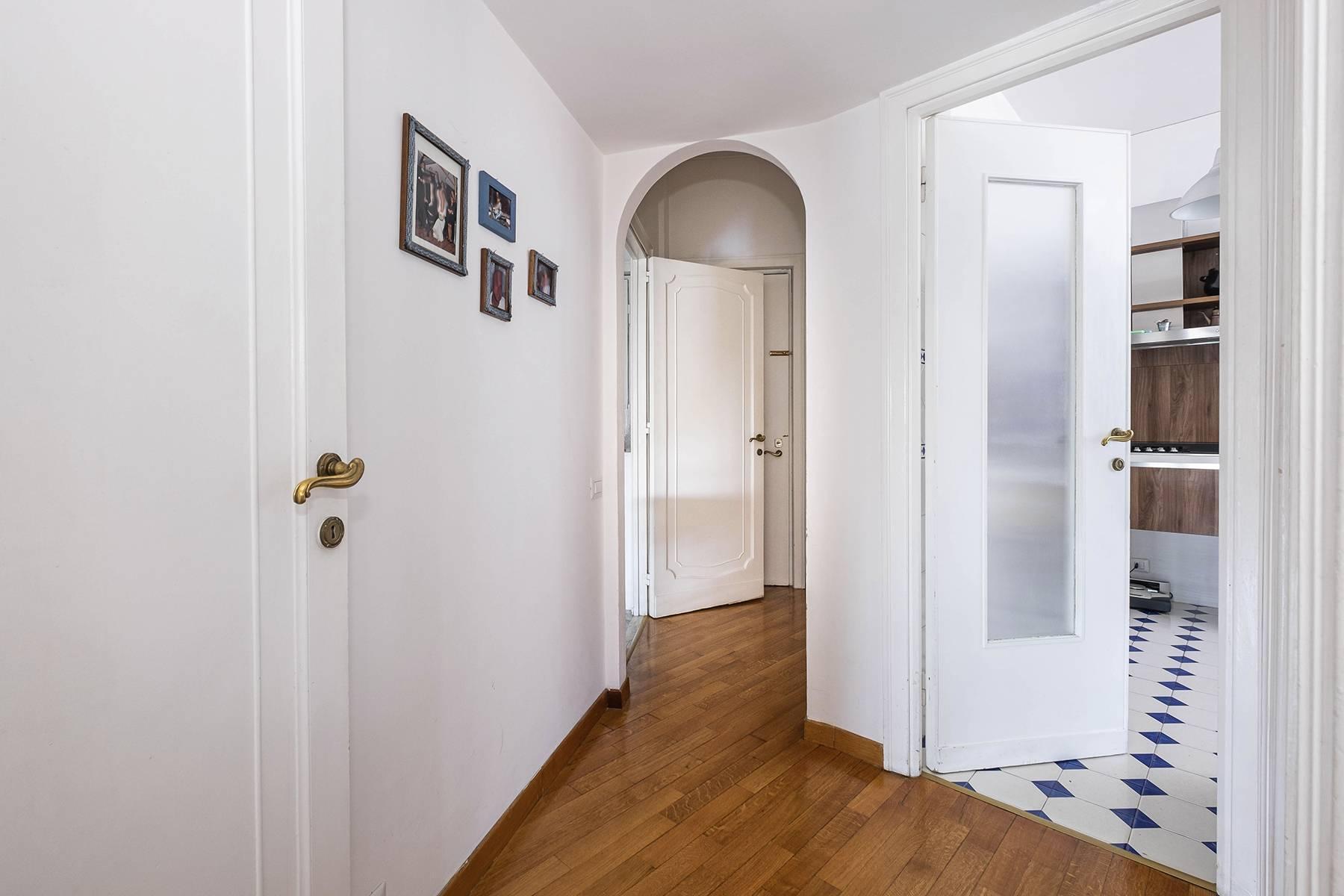 Elegante Wohnung mit großer Terrasse - 16