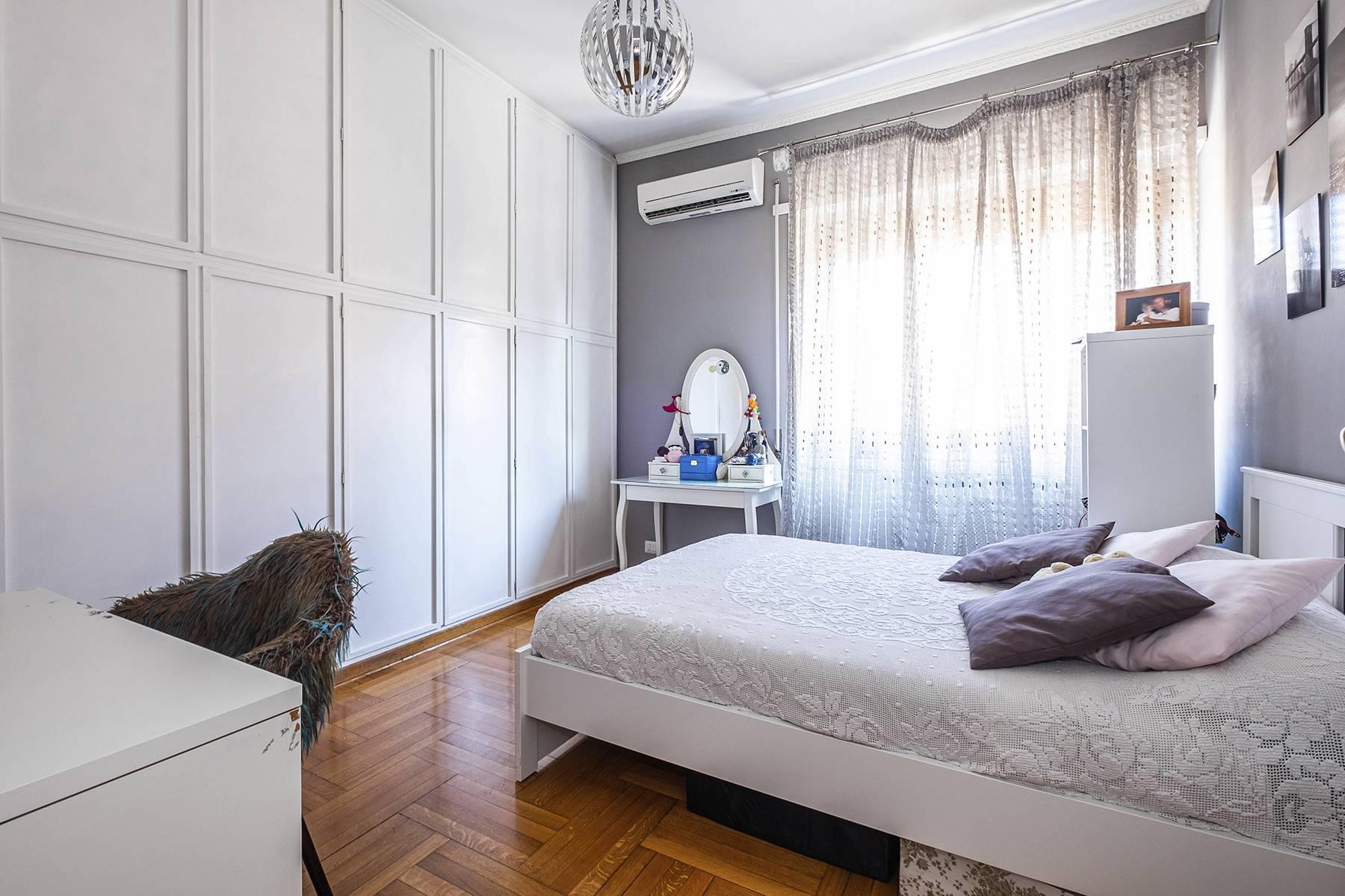 Elegante Wohnung mit großer Terrasse - 11