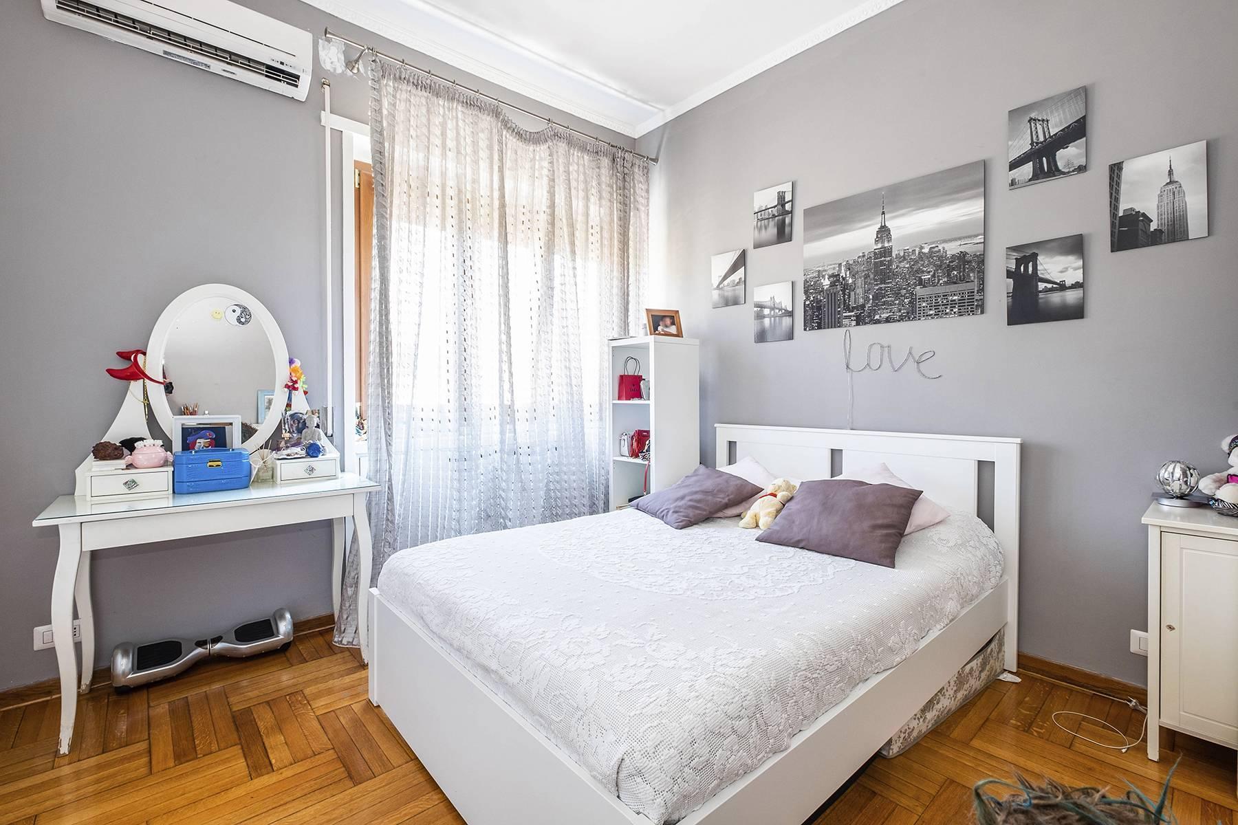 Elegante Wohnung mit großer Terrasse - 24