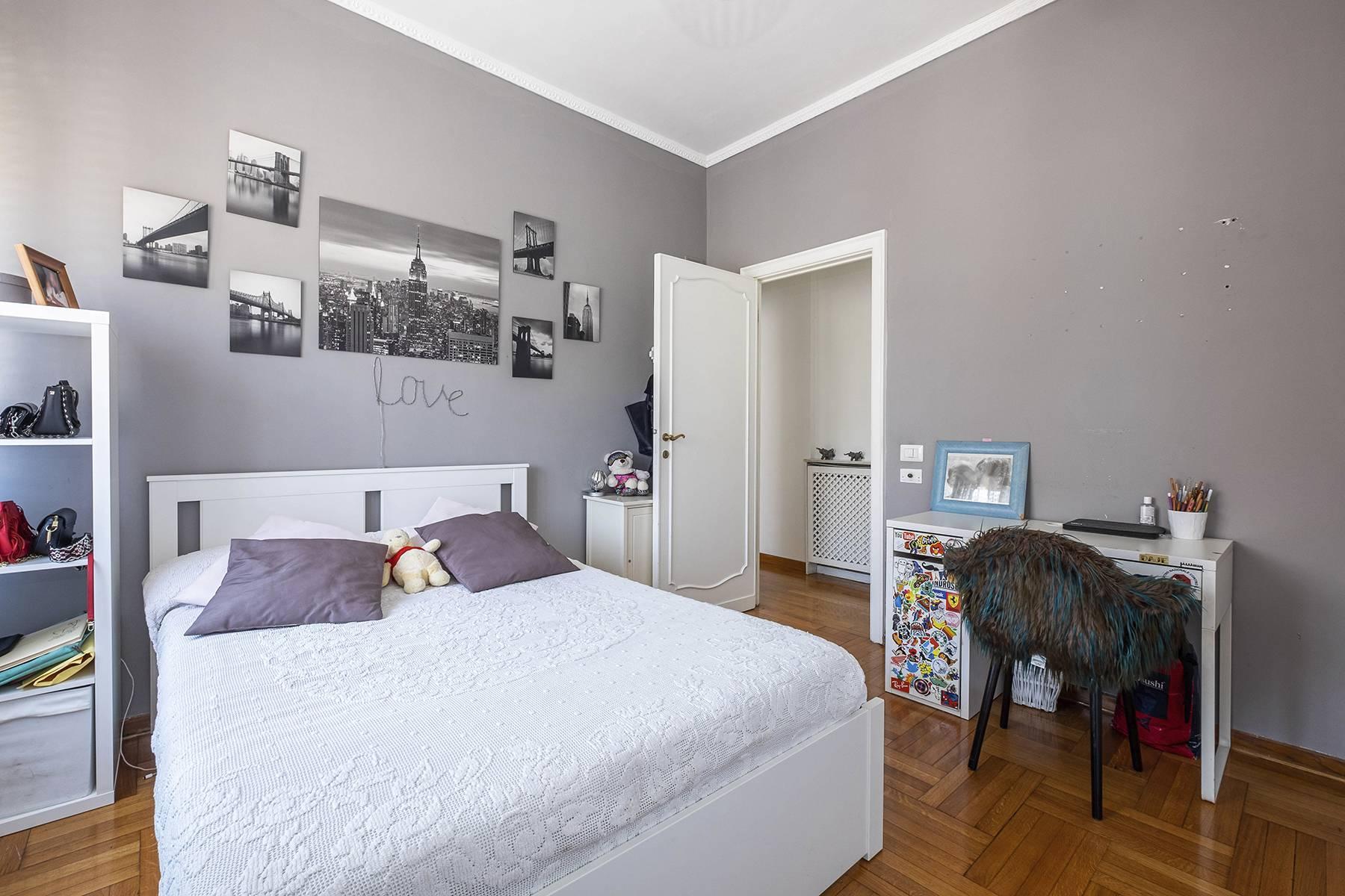 Elegante Wohnung mit großer Terrasse - 20