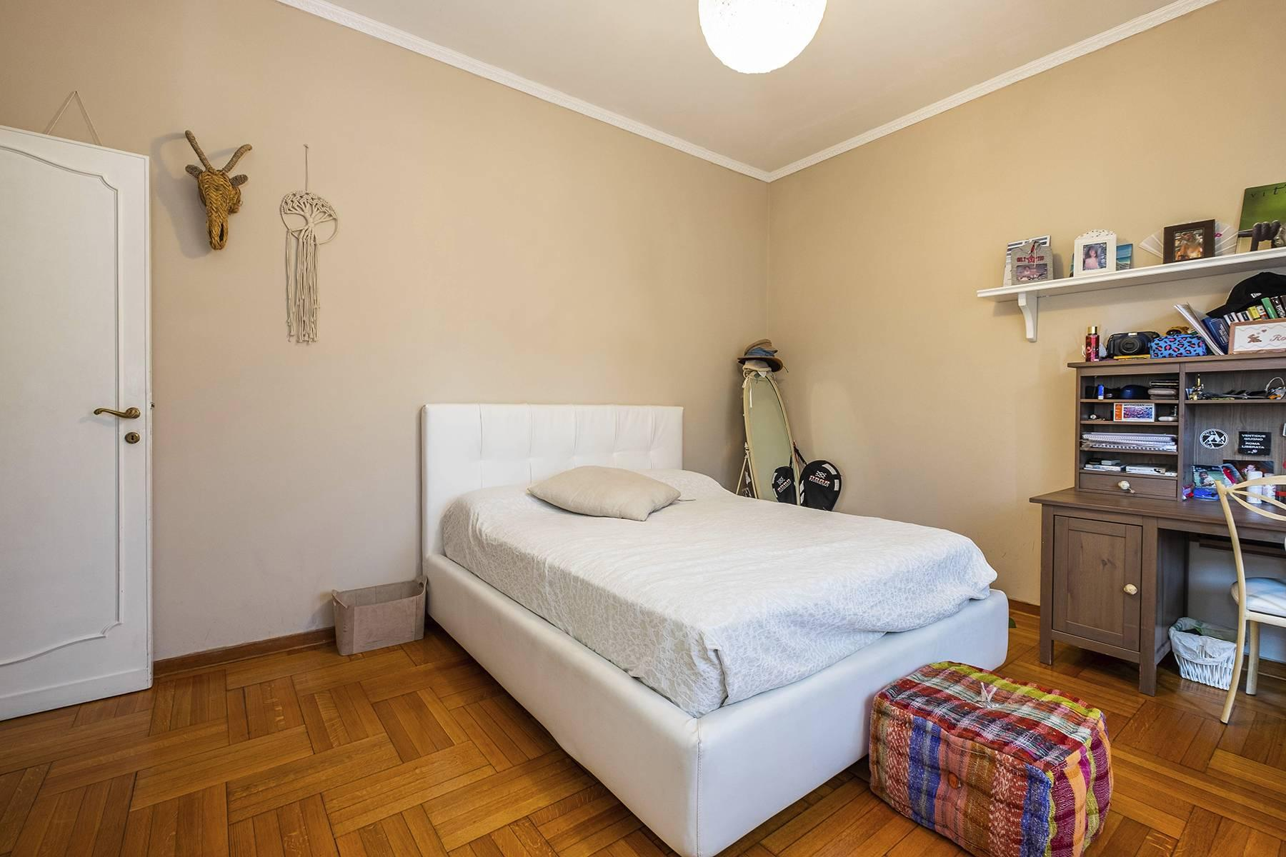 Elegante Wohnung mit großer Terrasse - 21
