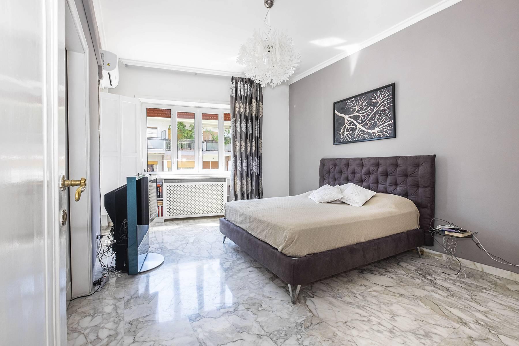 Elegante Wohnung mit großer Terrasse - 22
