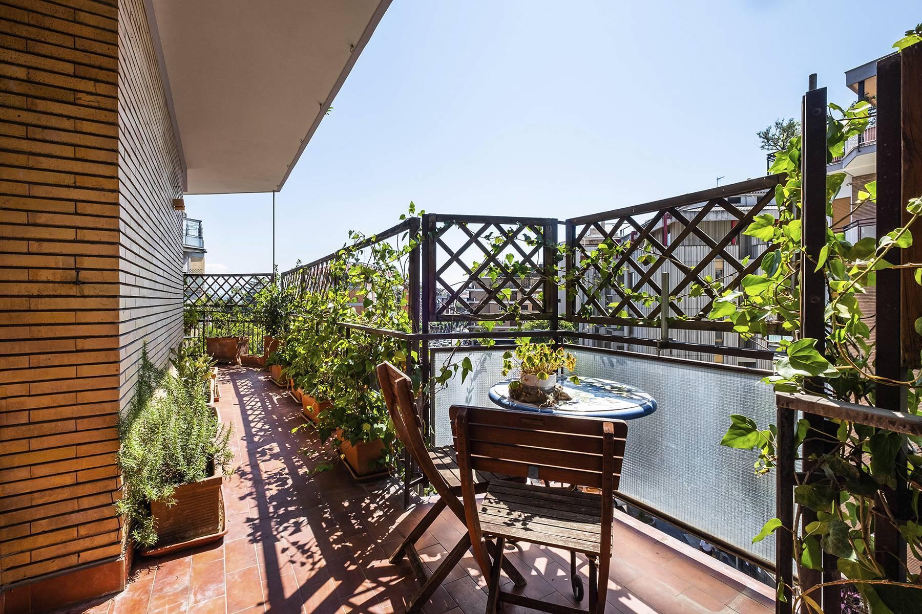 Elegante Wohnung mit großer Terrasse - 23