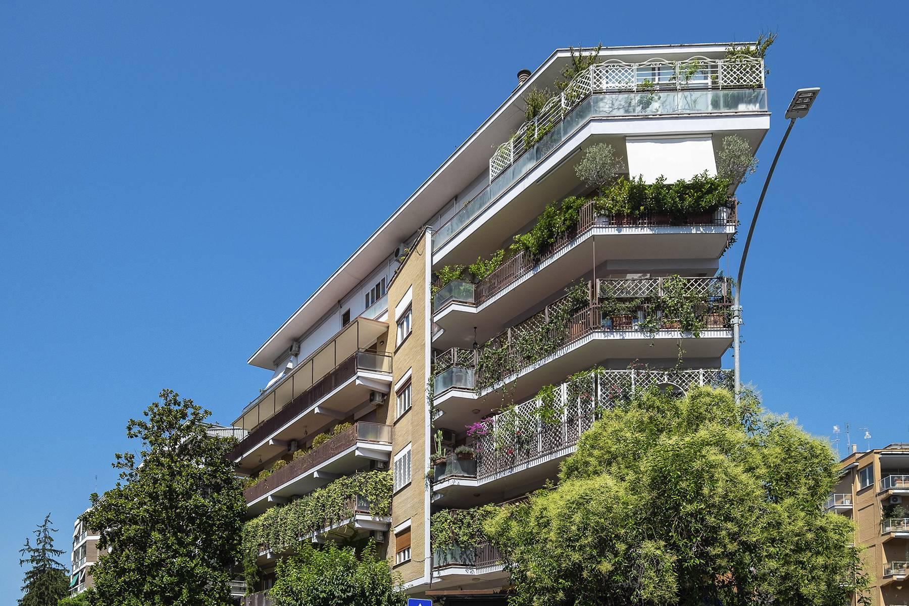 Elegante Wohnung mit großer Terrasse - 26