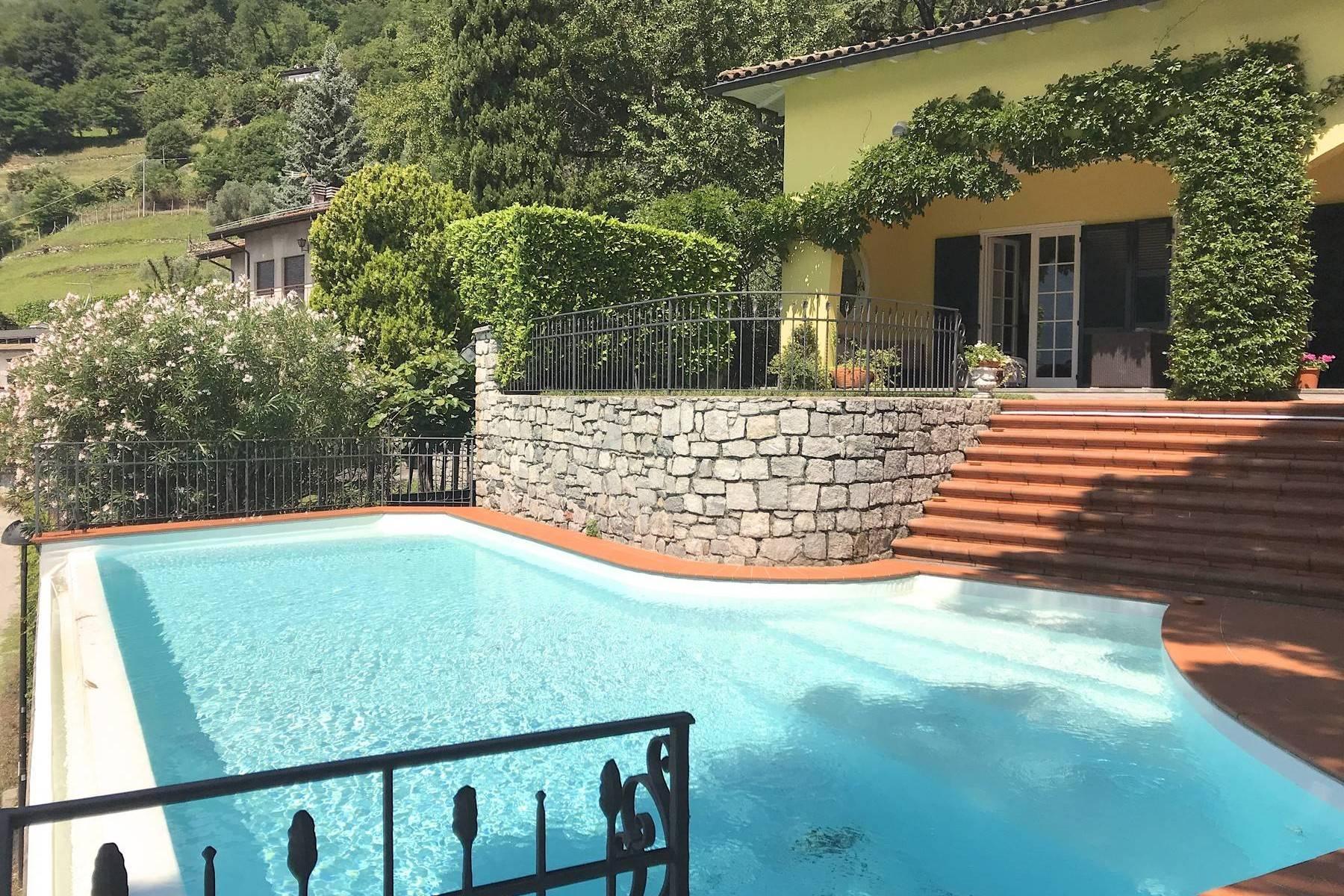Spektakuläre und moderne Villa mit Infinity Pool - 4
