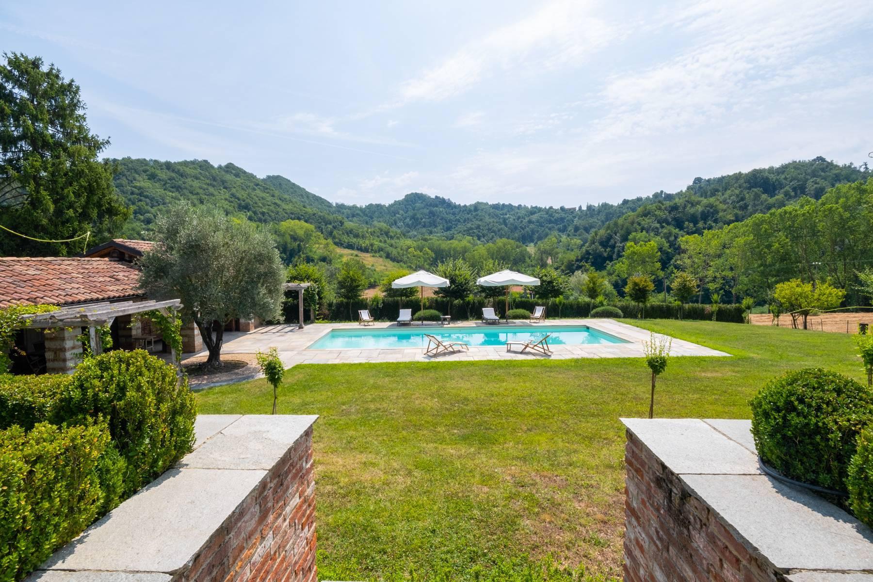 Affascinante casale con piscina nel verde delle colline del Monferrato - 2