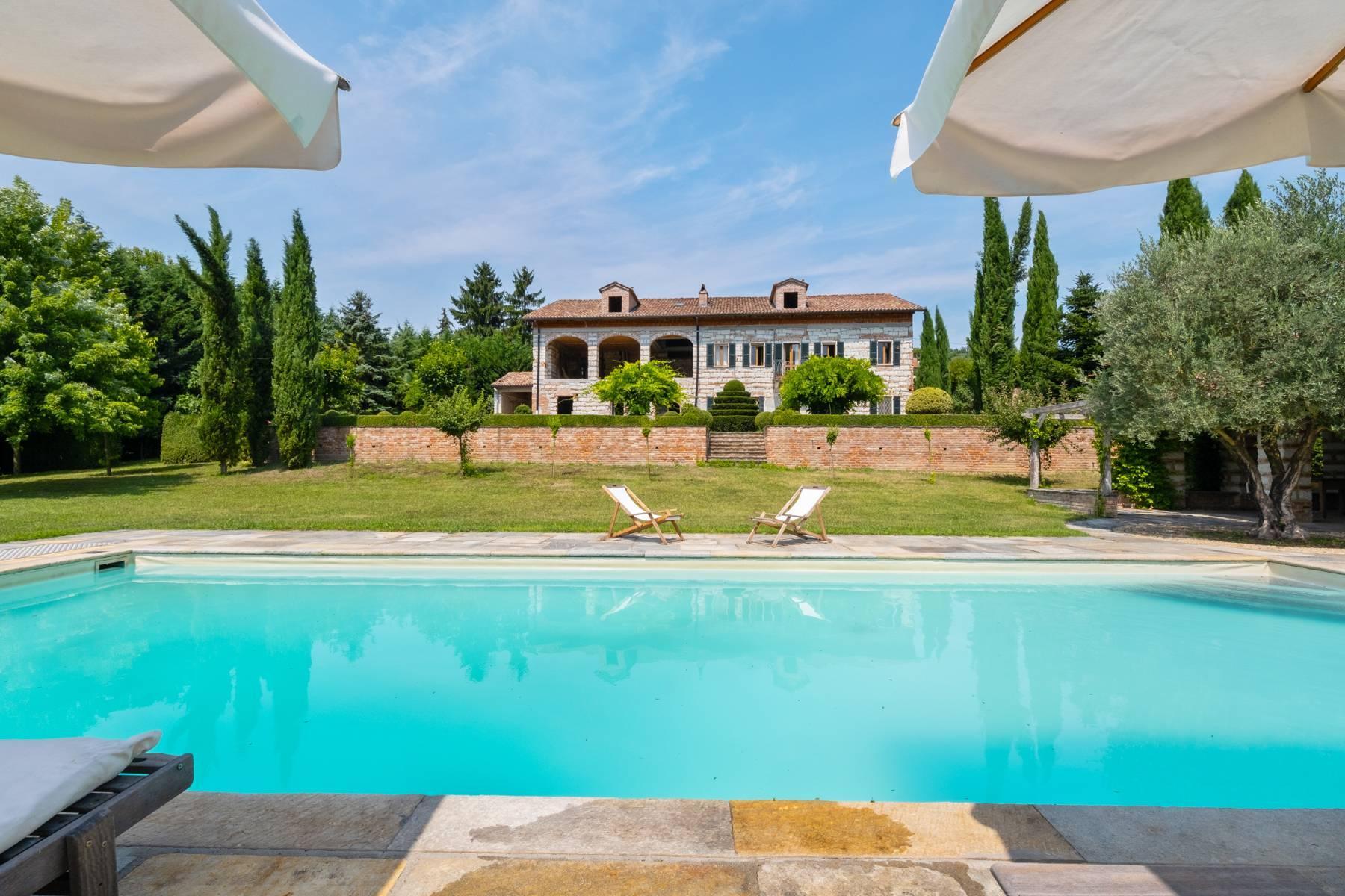 Affascinante casale con piscina nel verde delle colline del Monferrato - 1