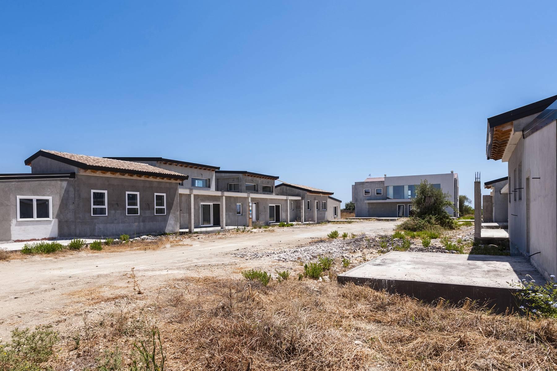 Komplex aus fünf Villen mit Pool und Zitrushain in Syrakus - 20