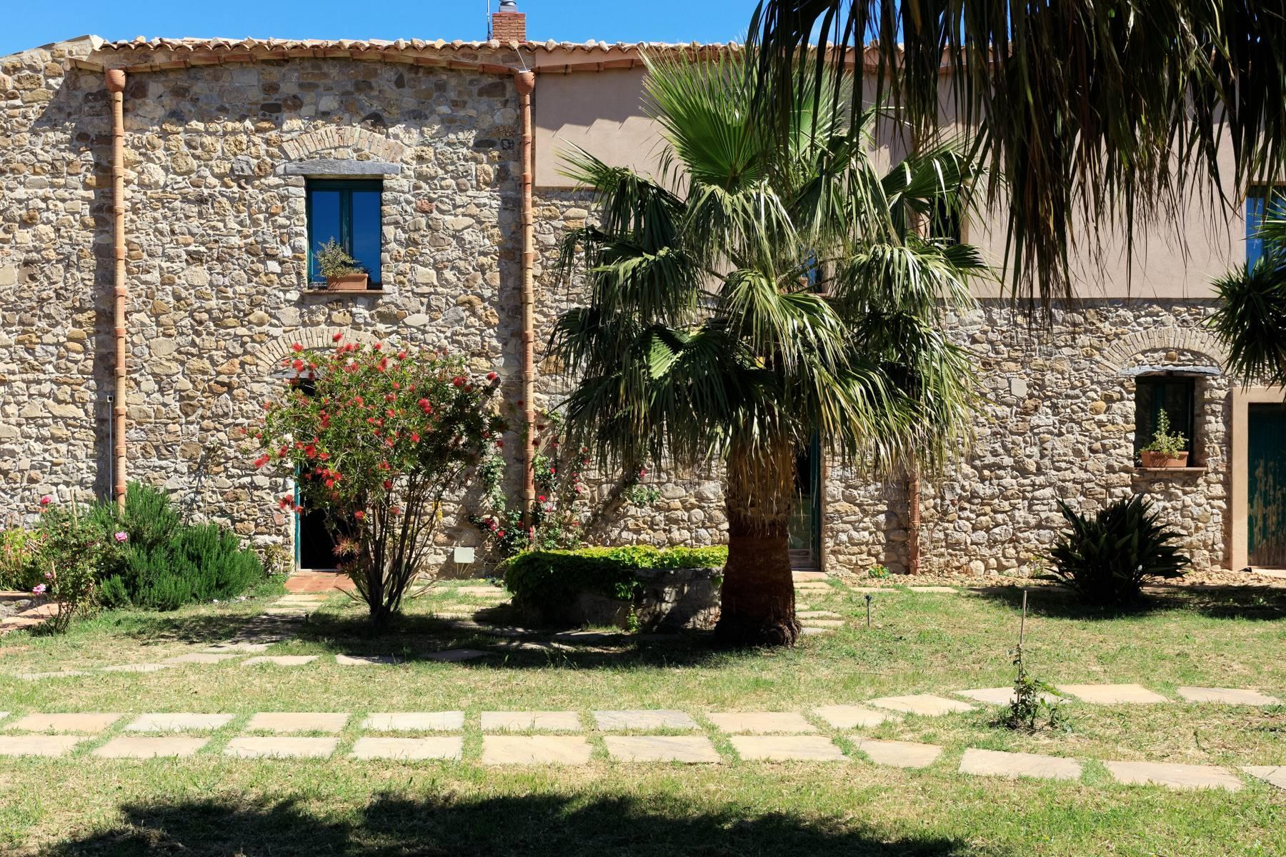 Bauernhaus aus dem 15. Jahrhundert an den Hängen des Madonie-Parks mit bezauberndem Meerblick - 7