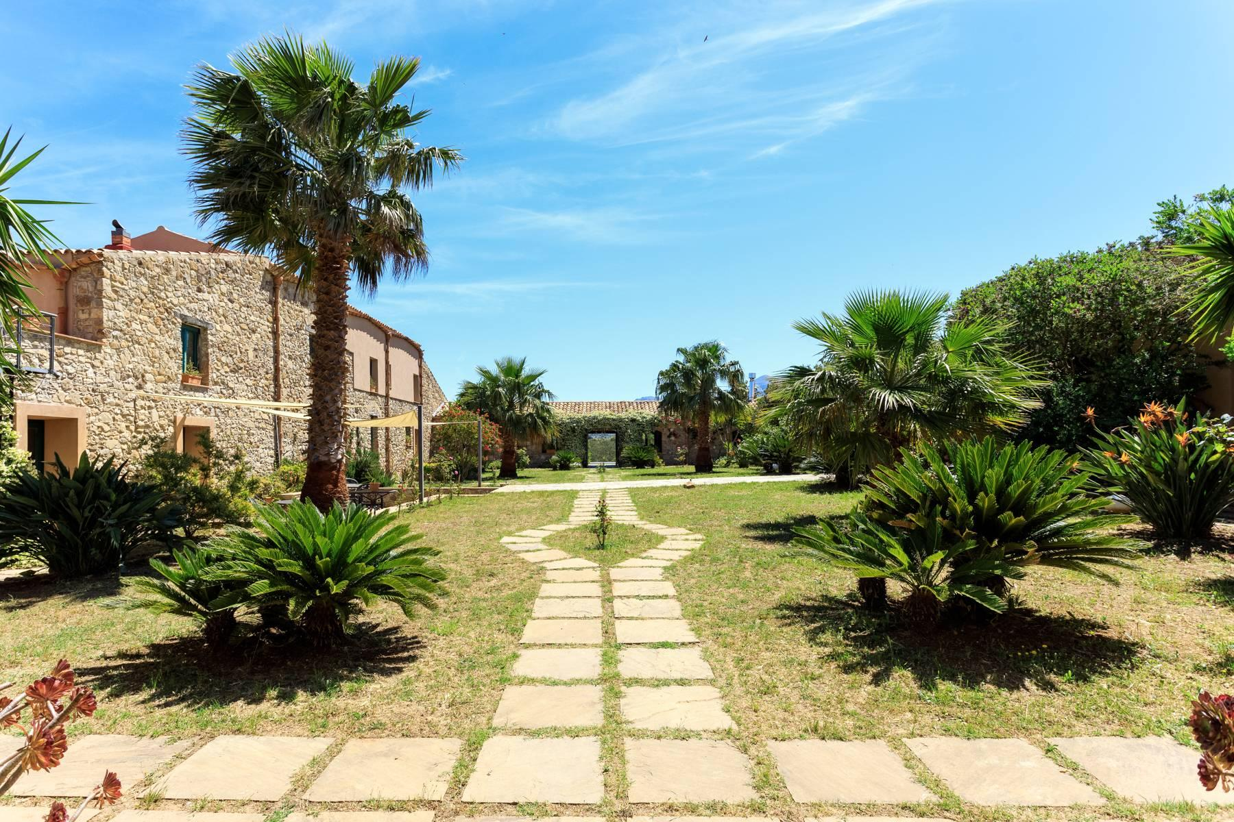Masseria del XV secolo alle pendici del parco delle Madonie con incantevole vista mare - 38