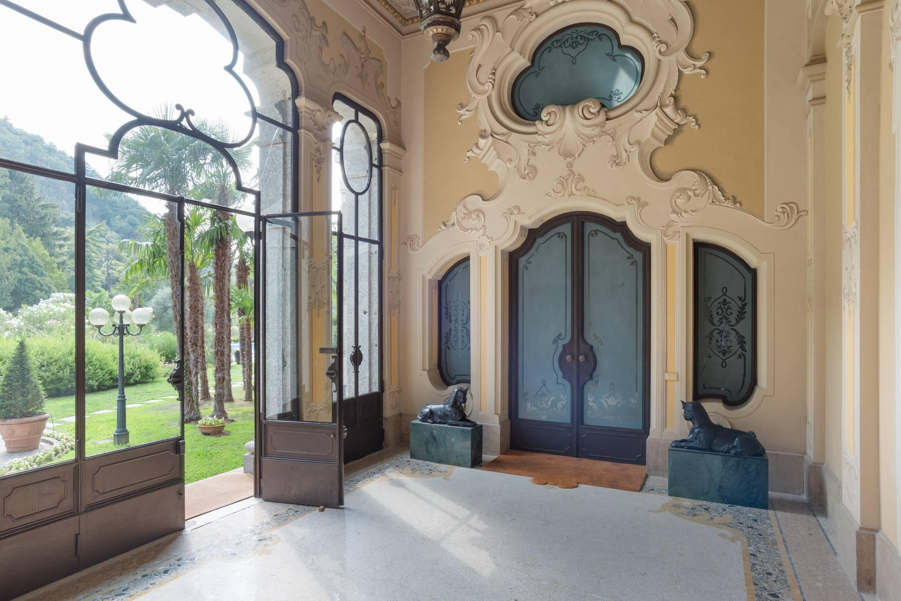 Fascinating apartment in an exclusive villa of the early 1900s - 9