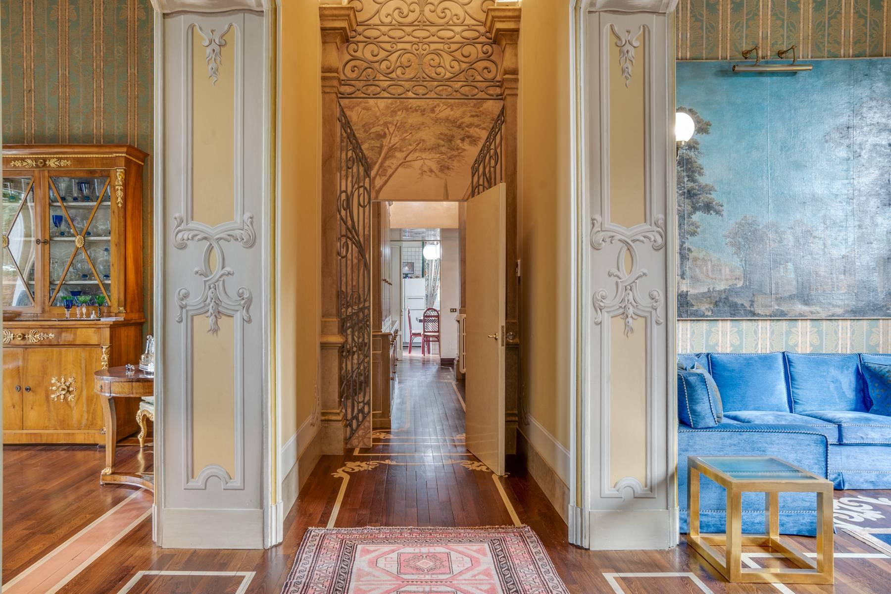 Fascinating apartment in an exclusive villa of the early 1900s - 13