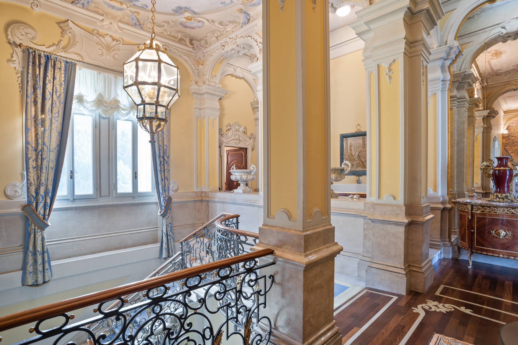 Fascinating apartment in an exclusive villa of the early 1900s - 11