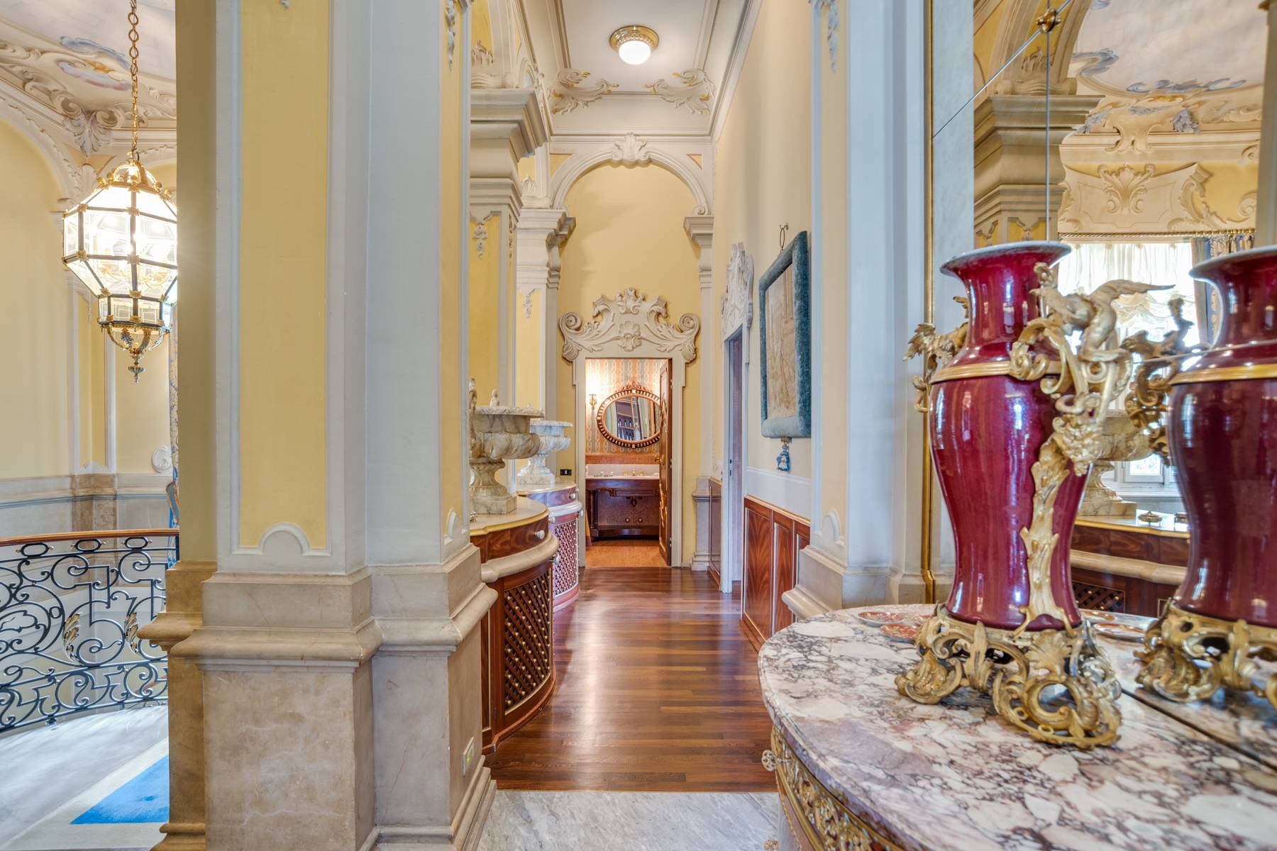 Fascinating apartment in an exclusive villa of the early 1900s - 12