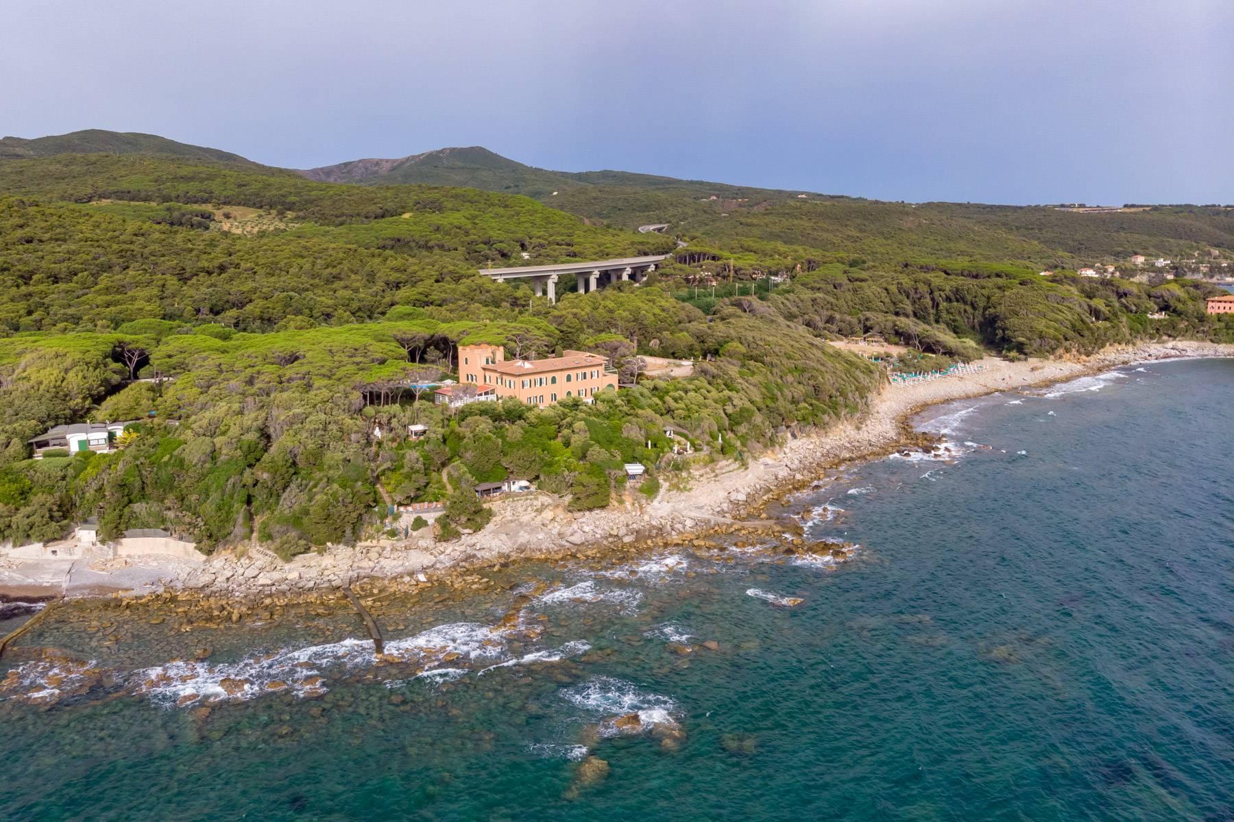Appartamento con giardino privato ed accesso al mare in villa storica - 1