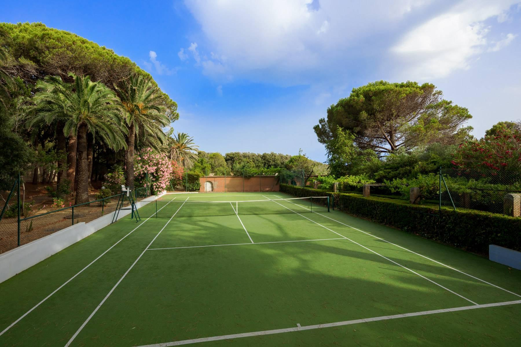 Apartment with private garden and access to the sea in a historic villa - 15