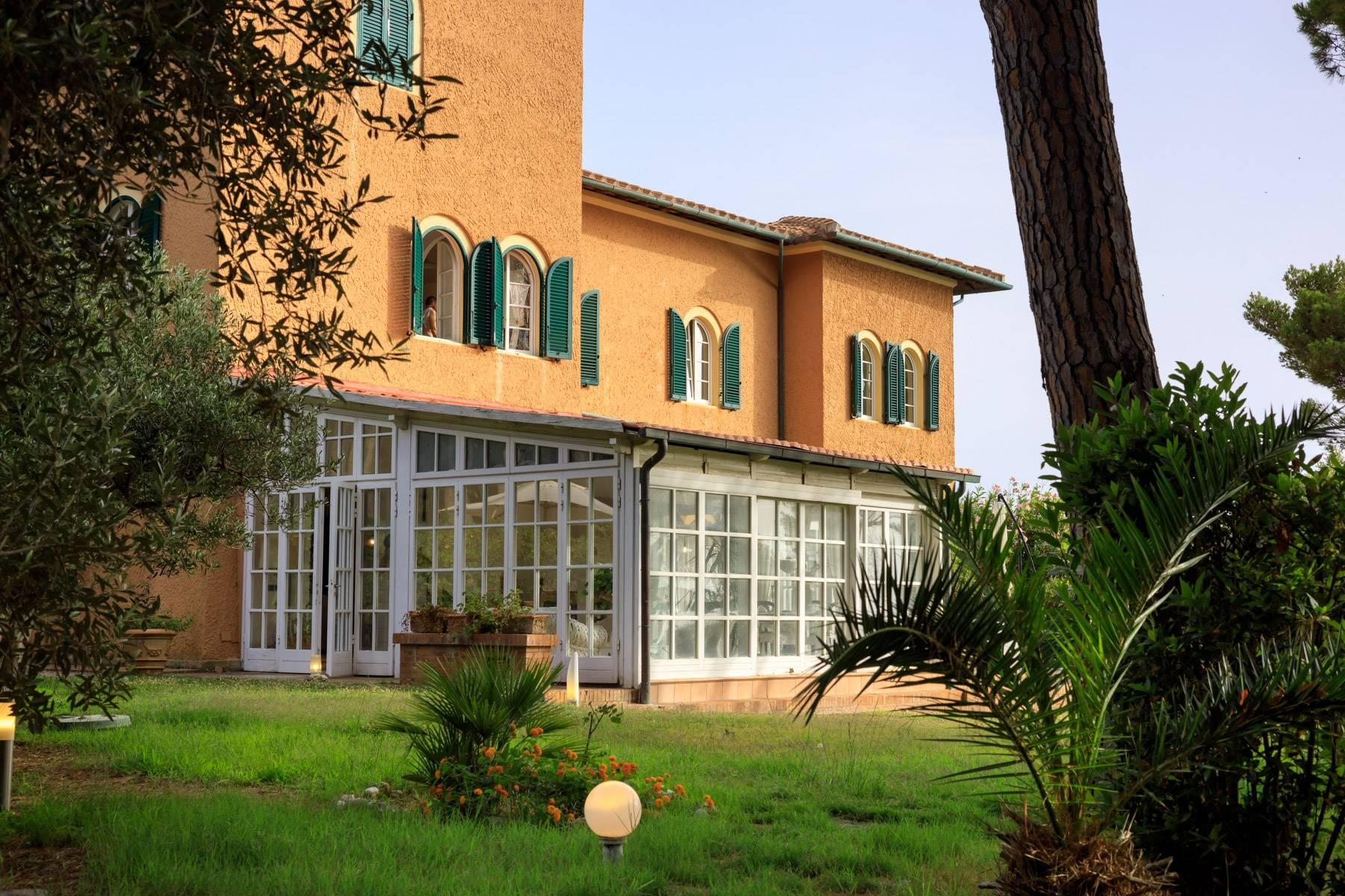 Apartment with private garden and access to the sea in a historic villa - 30