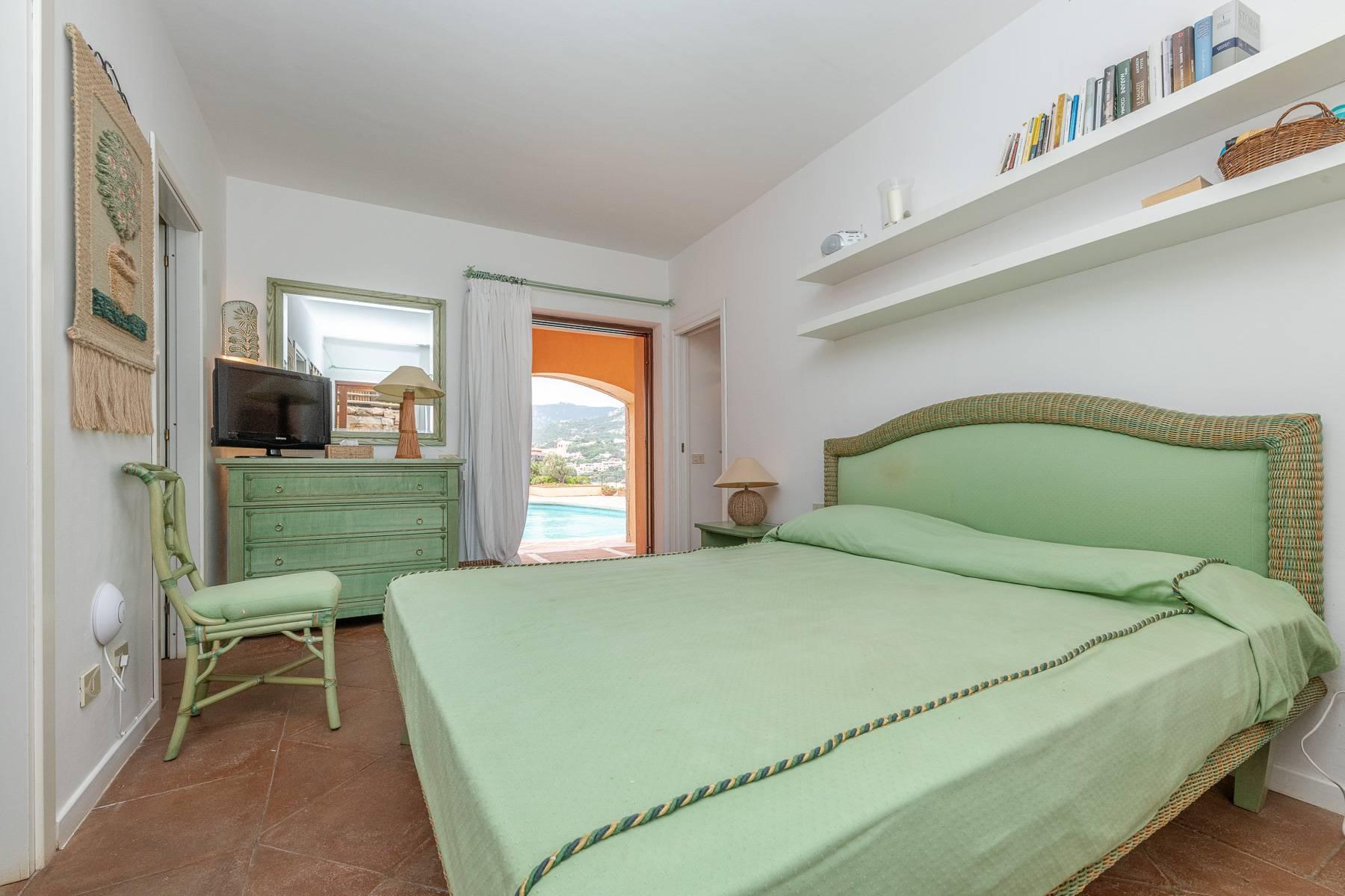 Importante villa indipendente con un impareggiabile panorama, nel cuore di Porto Cervo. - 24