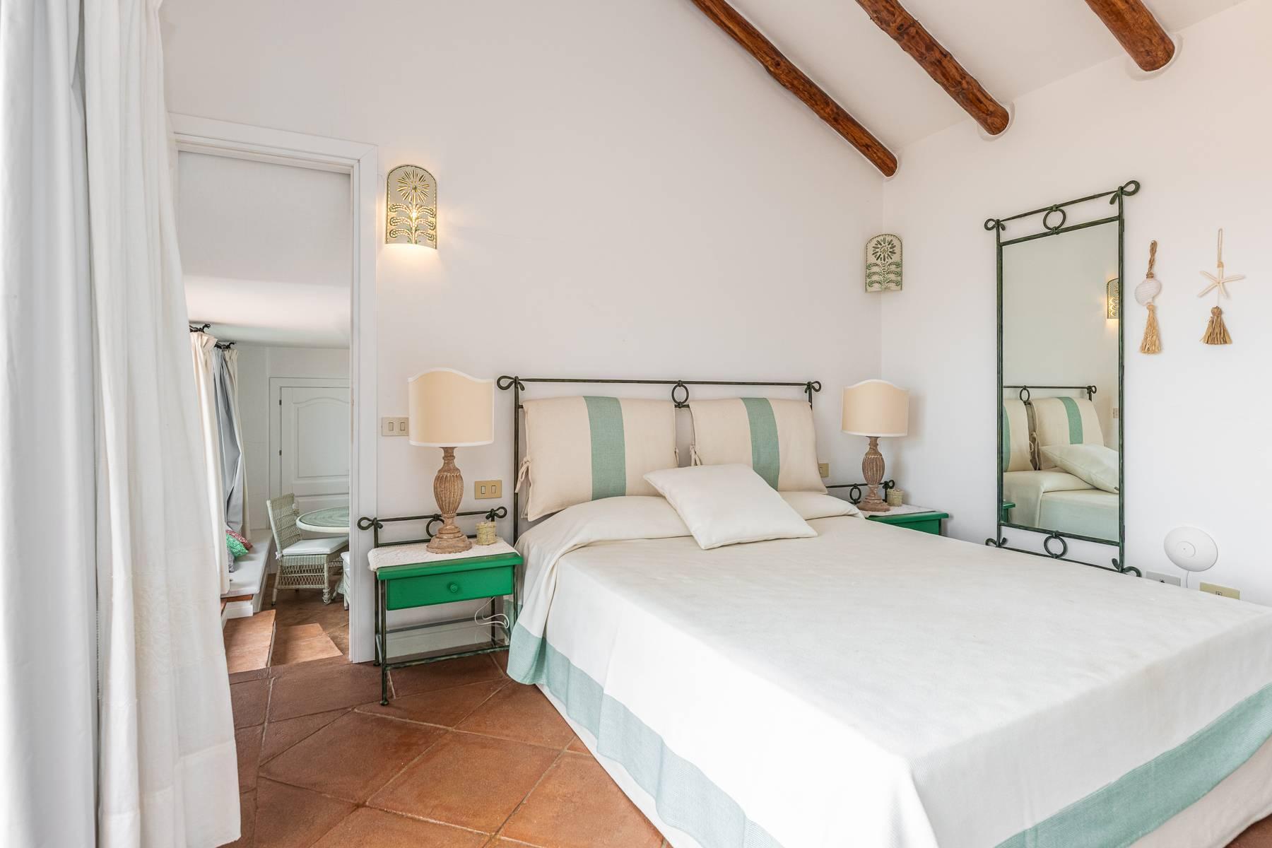 Importante villa indipendente con un impareggiabile panorama, nel cuore di Porto Cervo. - 15