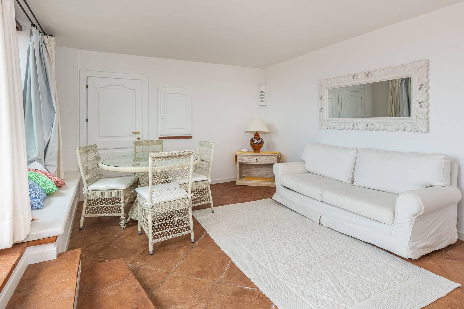 Importante villa indipendente con un impareggiabile panorama, nel cuore di Porto Cervo. - 17