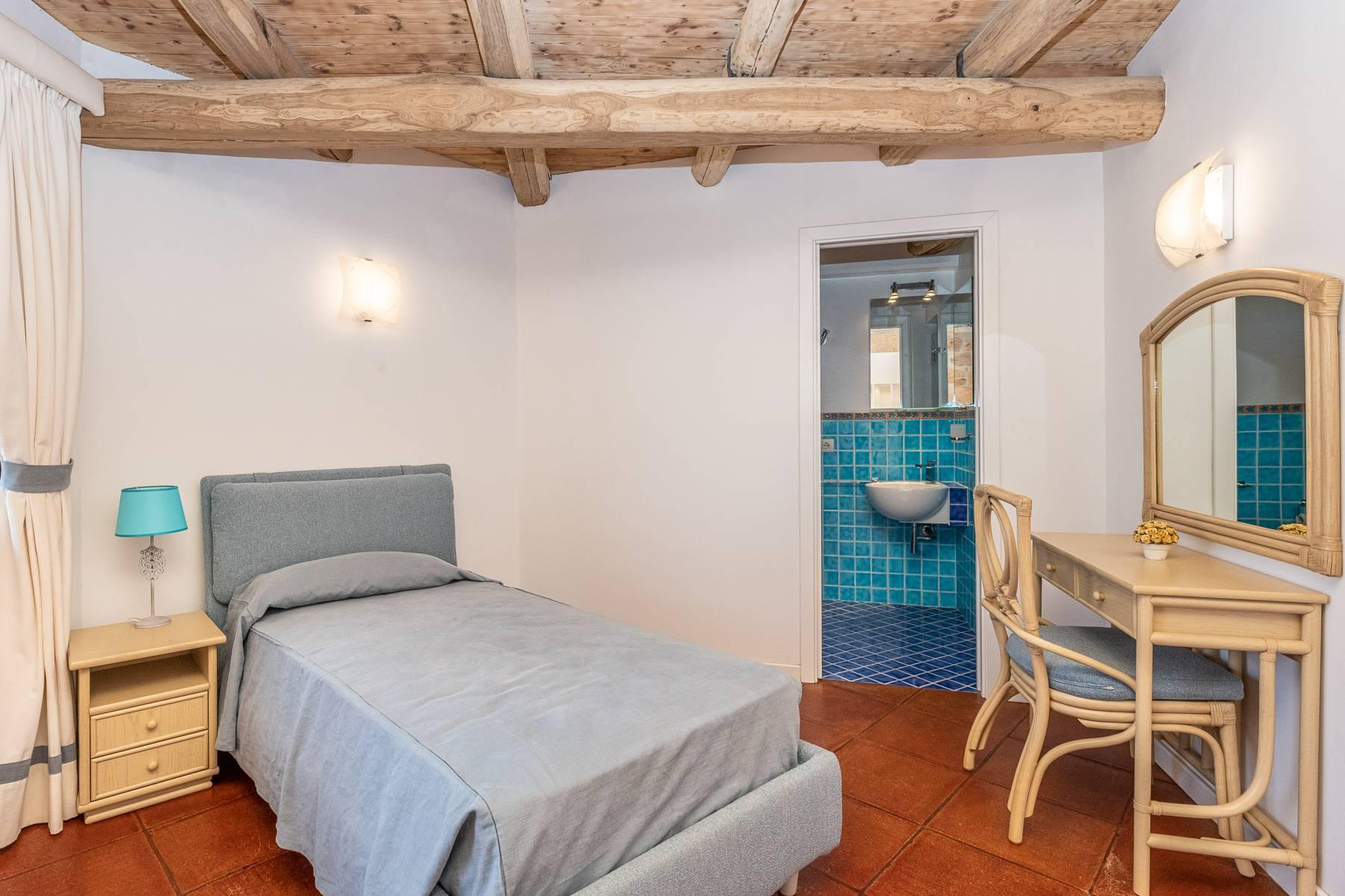 Importante villa indipendente con un impareggiabile panorama, nel cuore di Porto Cervo. - 20