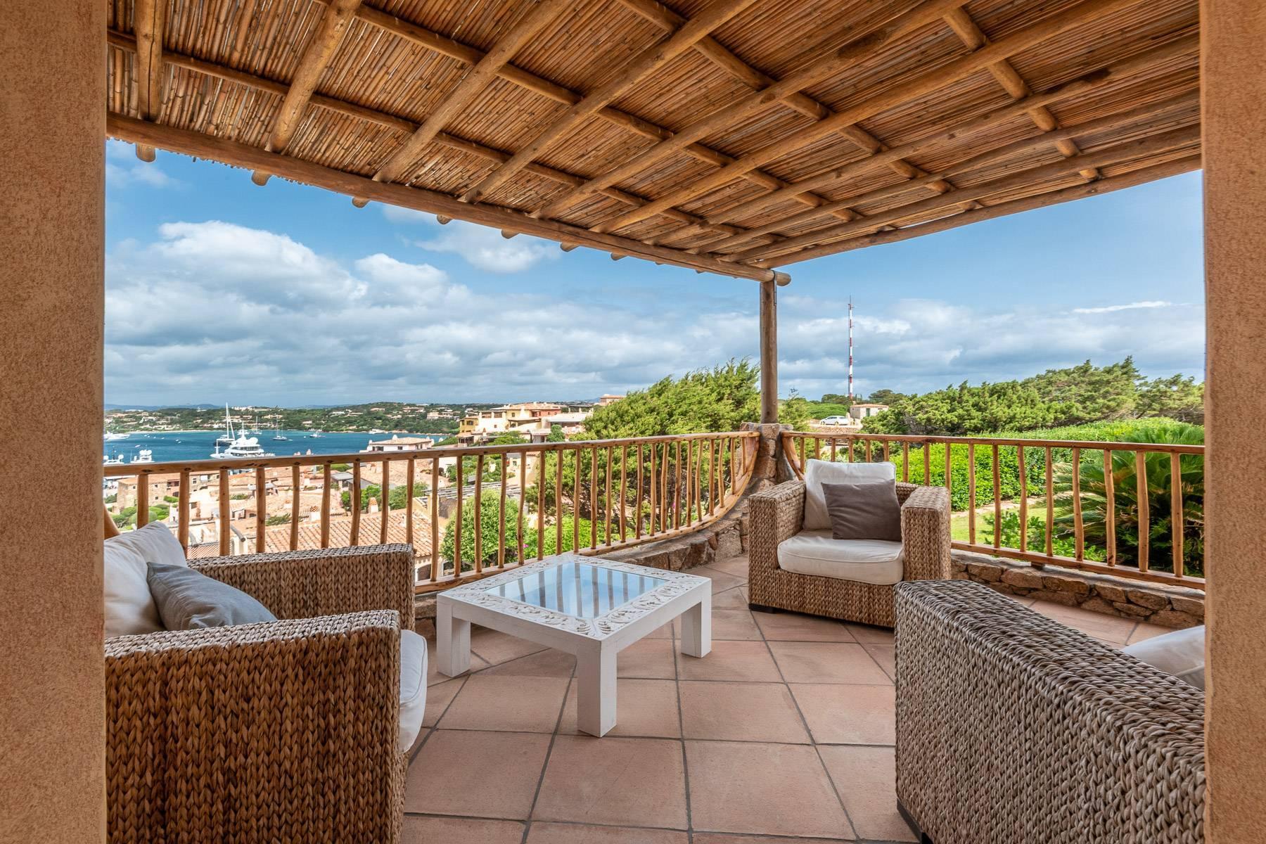 Importante villa indipendente con un impareggiabile panorama, nel cuore di Porto Cervo. - 10
