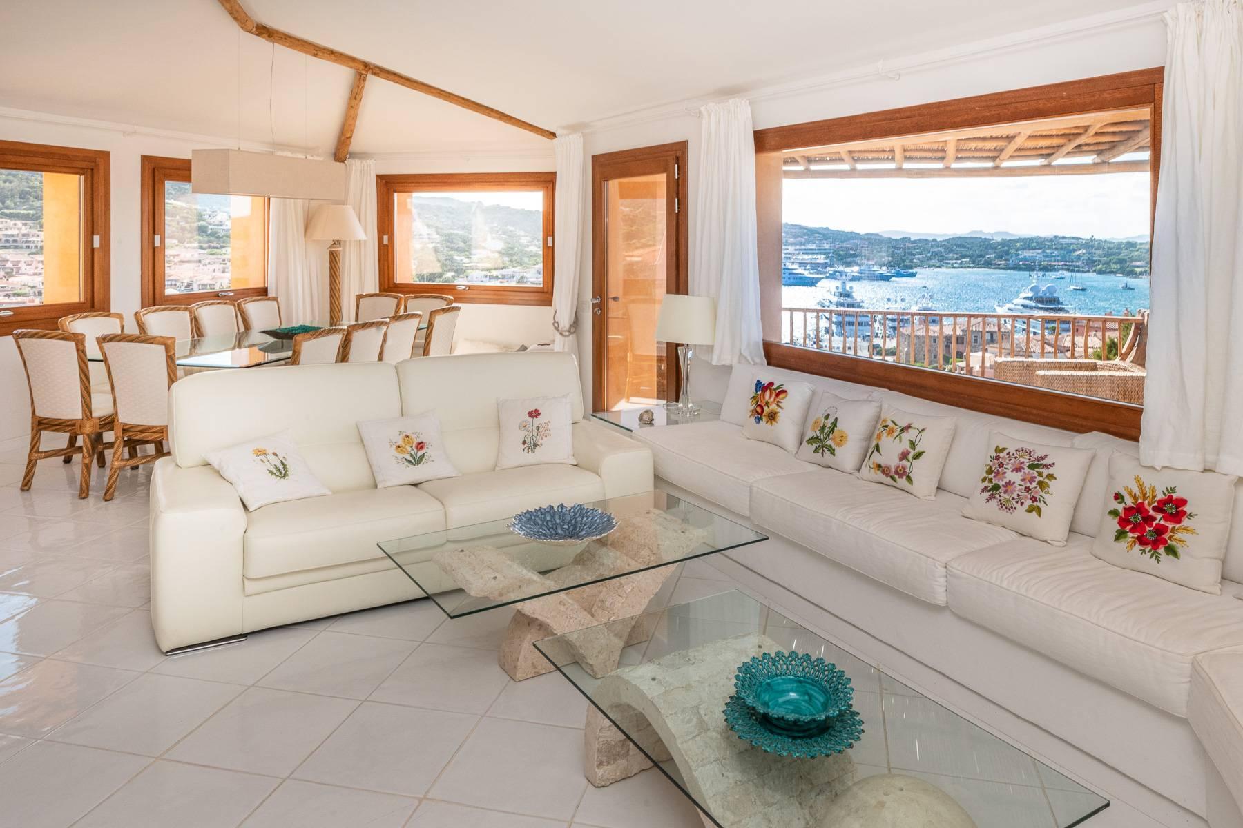 Importante villa indipendente con un impareggiabile panorama, nel cuore di Porto Cervo. - 4